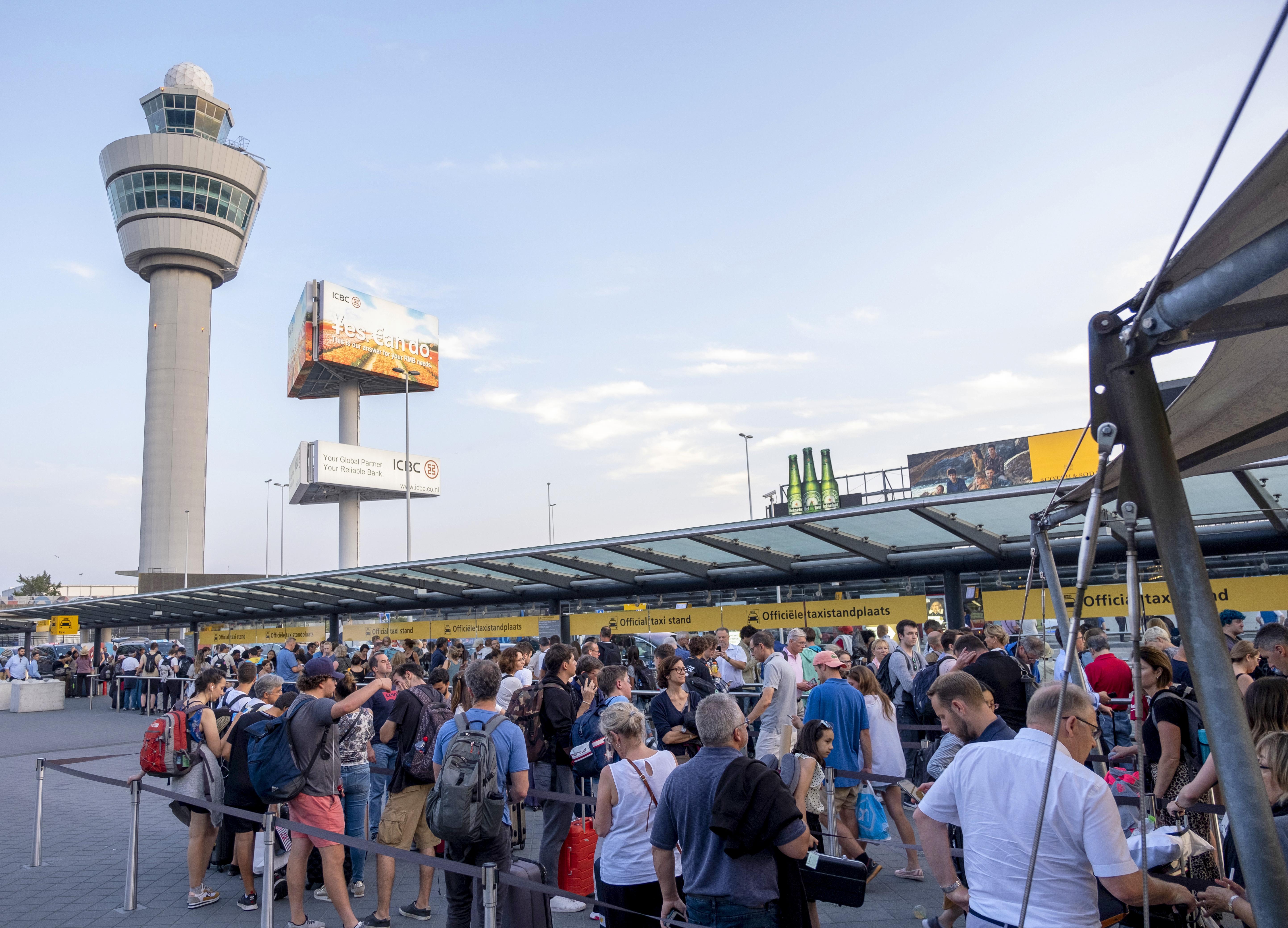 Onafhankelijk onderzoek naar problemen met brandstof op Schiphol