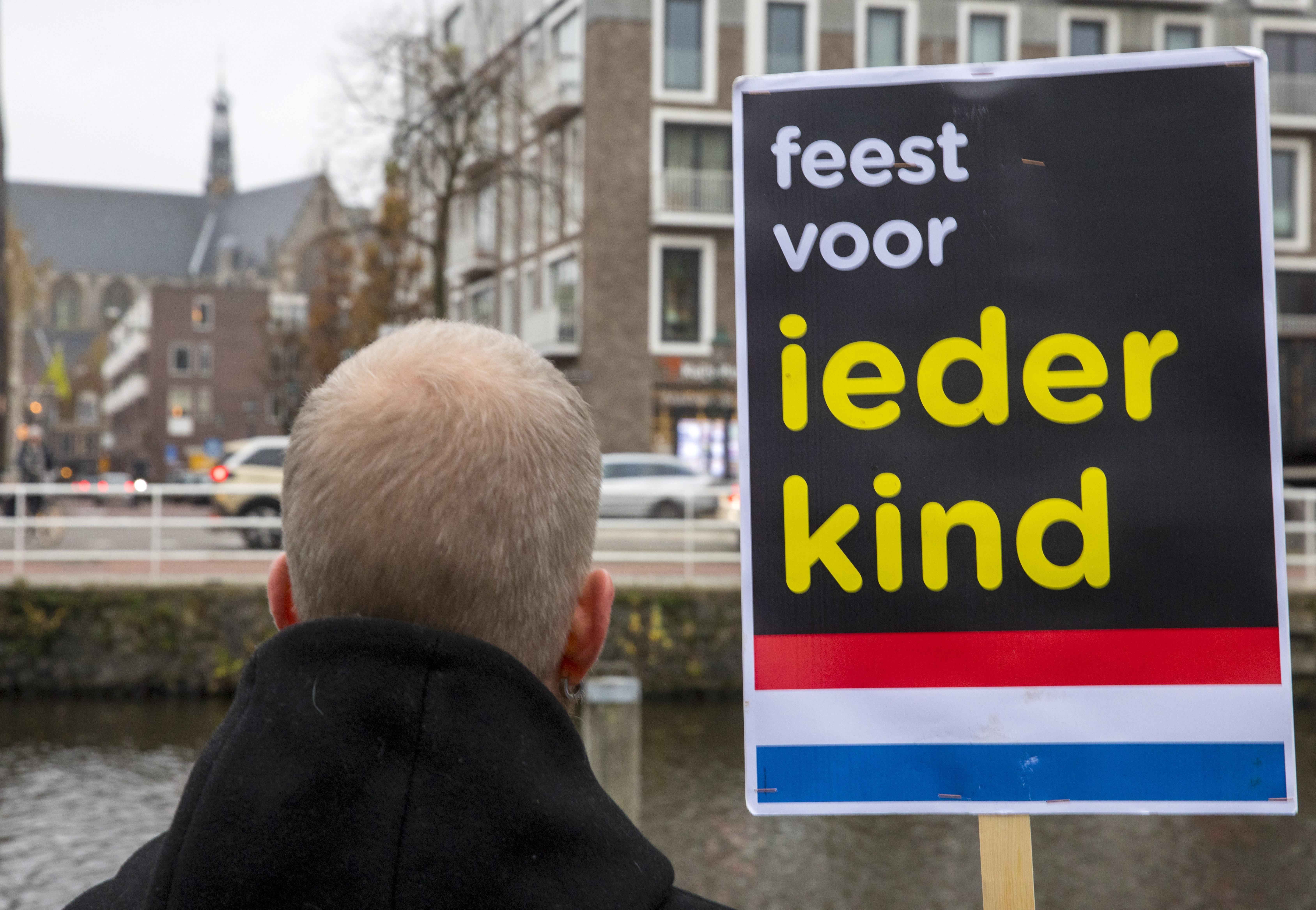 Vol verwachting klopt ons hart. De spanning stijgt. Kick Out Zwarte Piet staat klaar voor de intocht van Sinterklaas in Alkmaar
