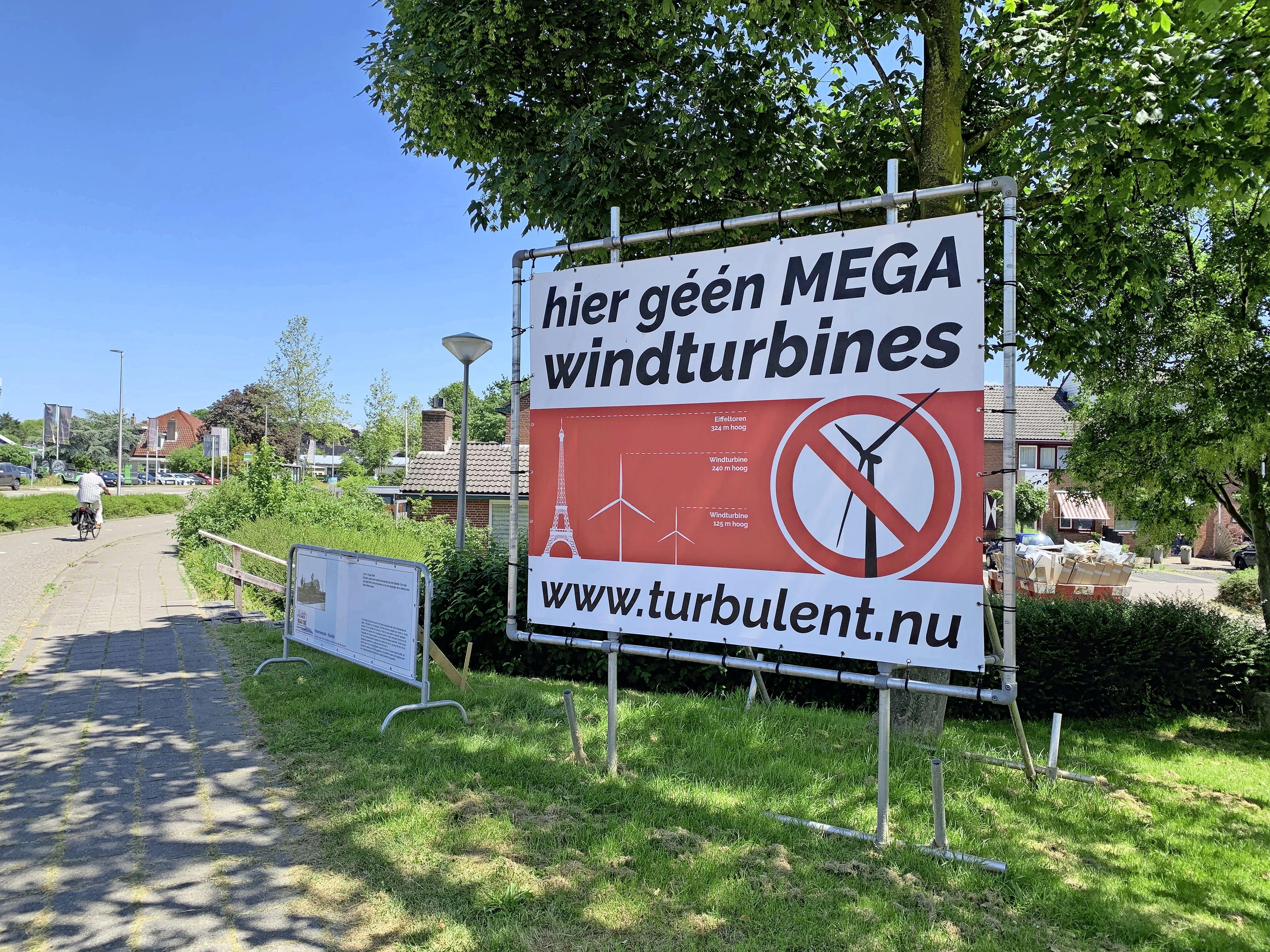Turbulent organiseert demonstratie in Hazerswoude tegen windmolens langs N11: 'Leuke en gezellige optocht door het dorp, vooral voor kinderen'