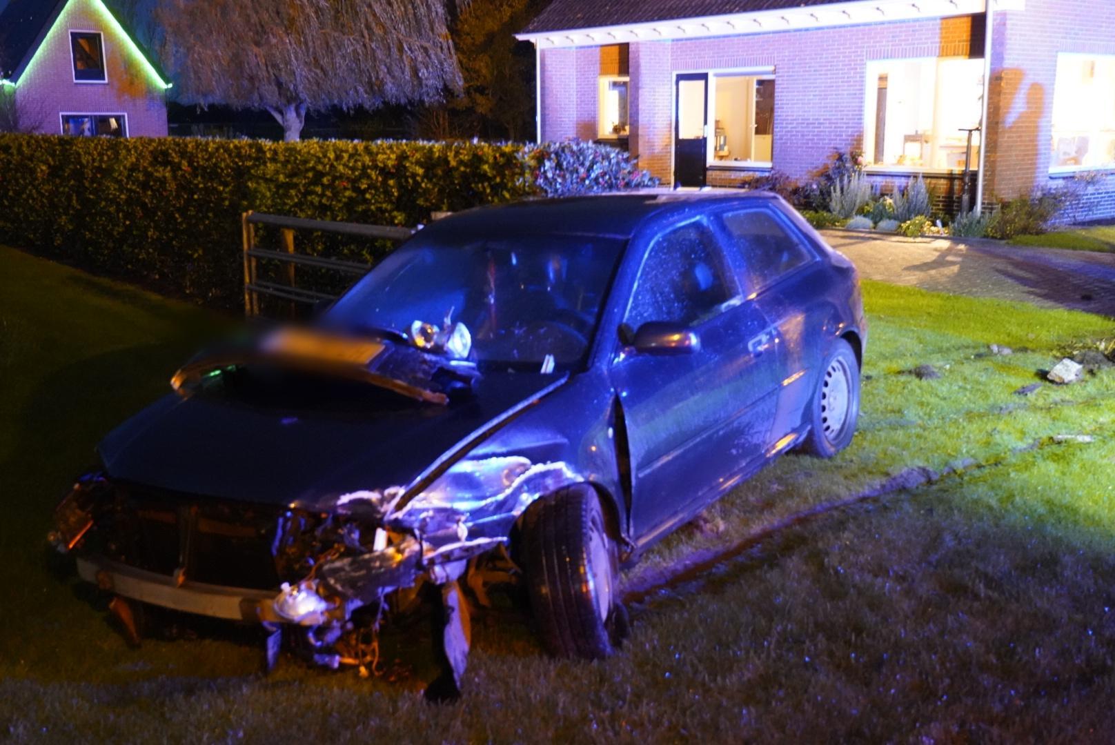 Automobilist gewond bij aanrijding in Sint Maartensbrug, politie doet onderzoek naar toedracht
