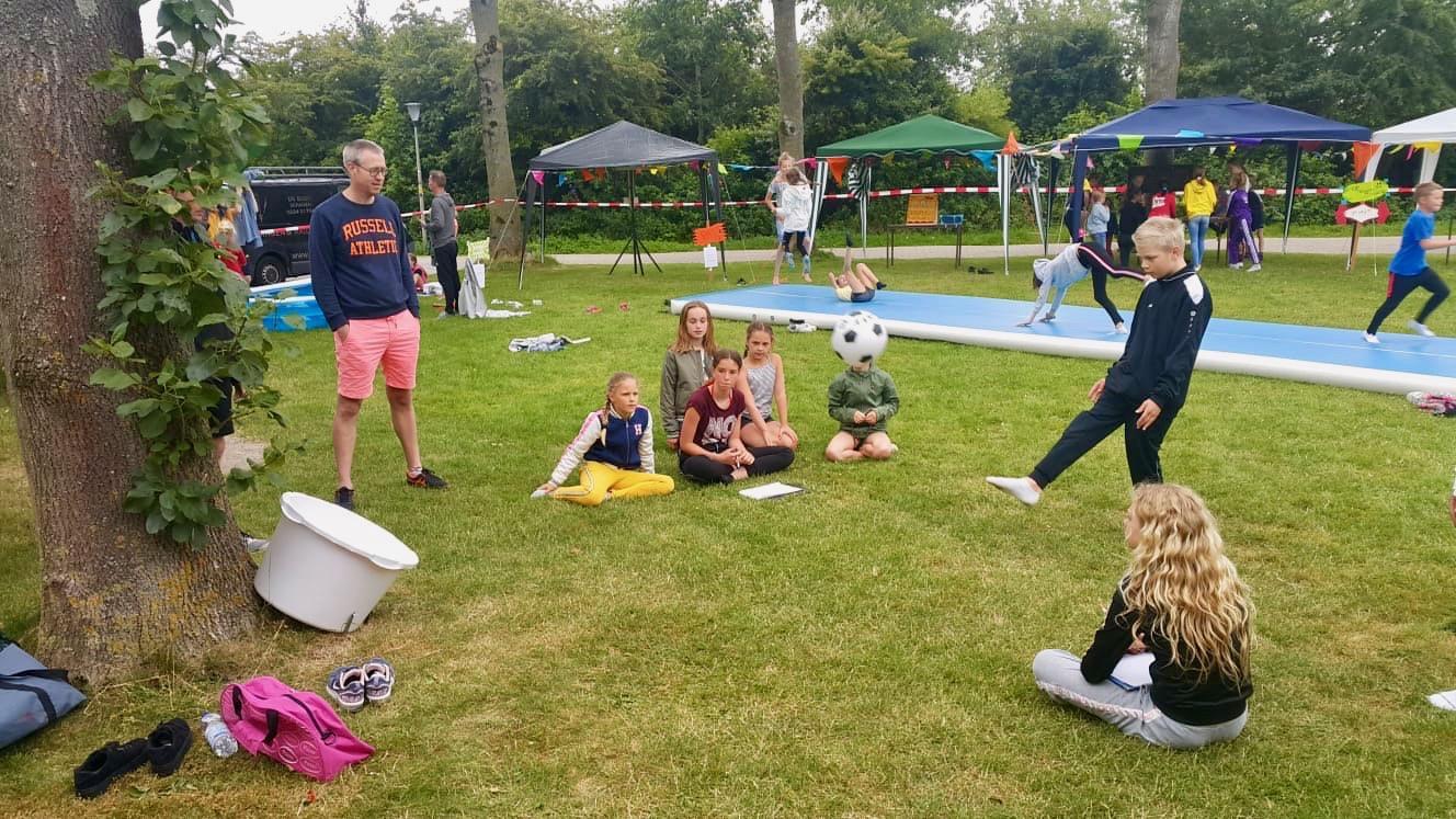 Hoe trek je als gymnastiekvereniging meer jonge leden? Met een coronaproof zomerkamp. 'Het gaat er vooral om dat ze plezier hebben'