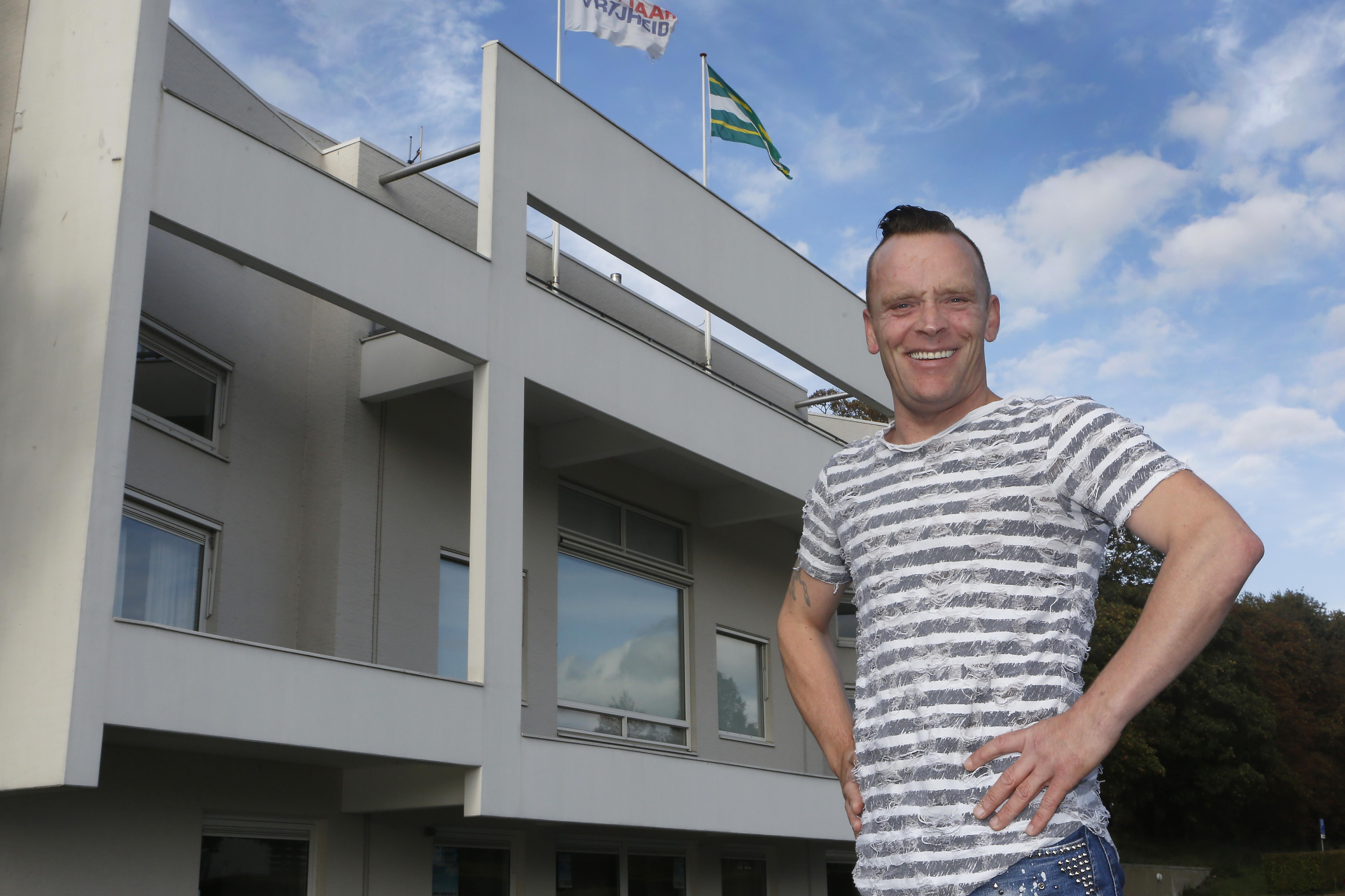Patrick van Rijn wil referendum om vuurwerkverbod in Soest van tafel te krijgen. Opdracht nummer 1: Op zoek naar minstens 254 medestanders