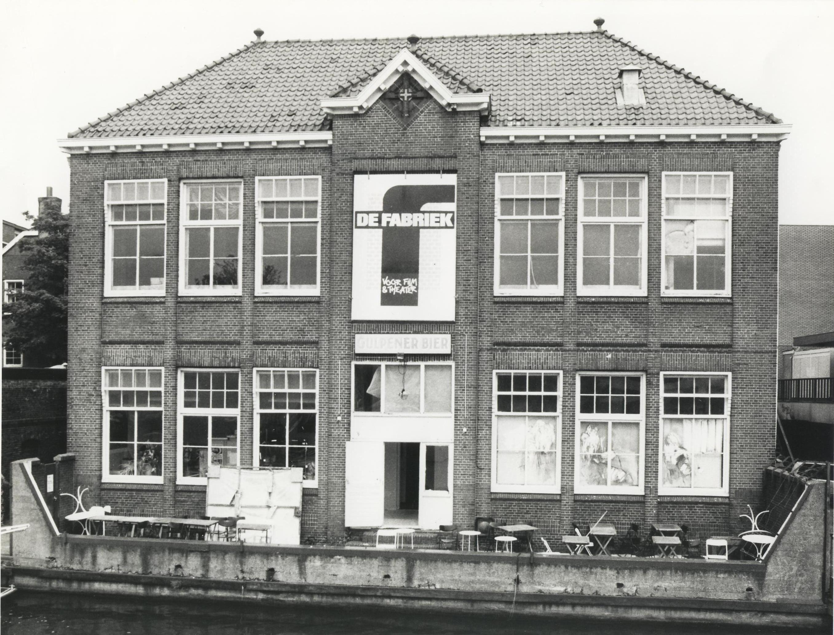 Honderd jaar De Fabriek: een markant gebouw voor katholieke schooljongens, theatermakers en filmfanaten