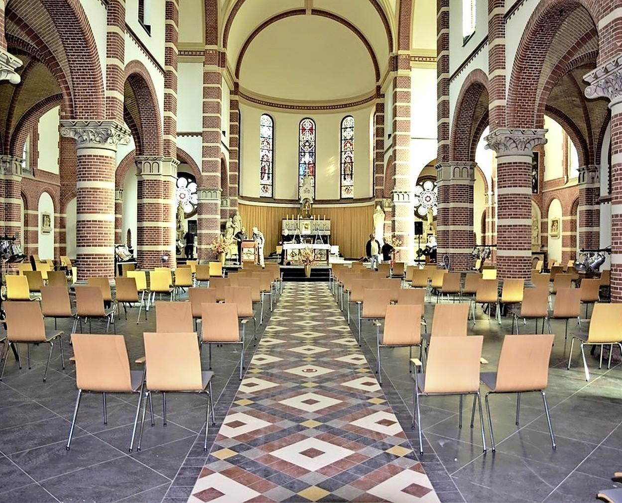 Corneliuskerk in Limmen tot half januari dicht na positieve test pastor Olling