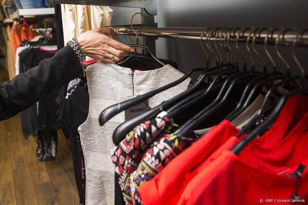 Enkele tientallen winkeliers Klazienaveen openen deuren