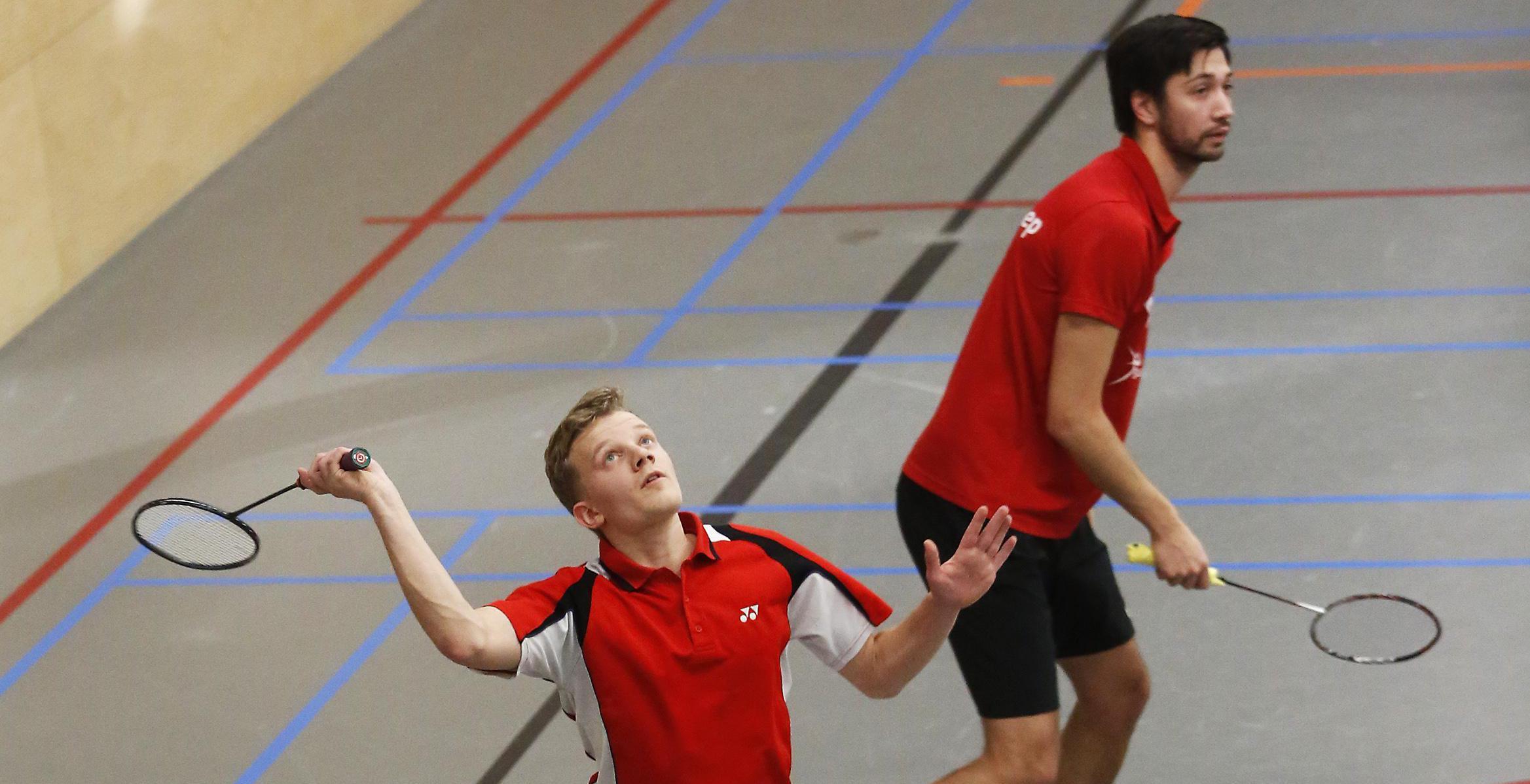 Badminton: 'Lucky' Inside is huizen de baas, Weesp kan promotie vergeten