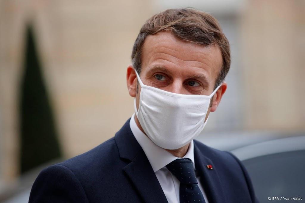 Franse president: extra bewaking voor scholen en kerken
