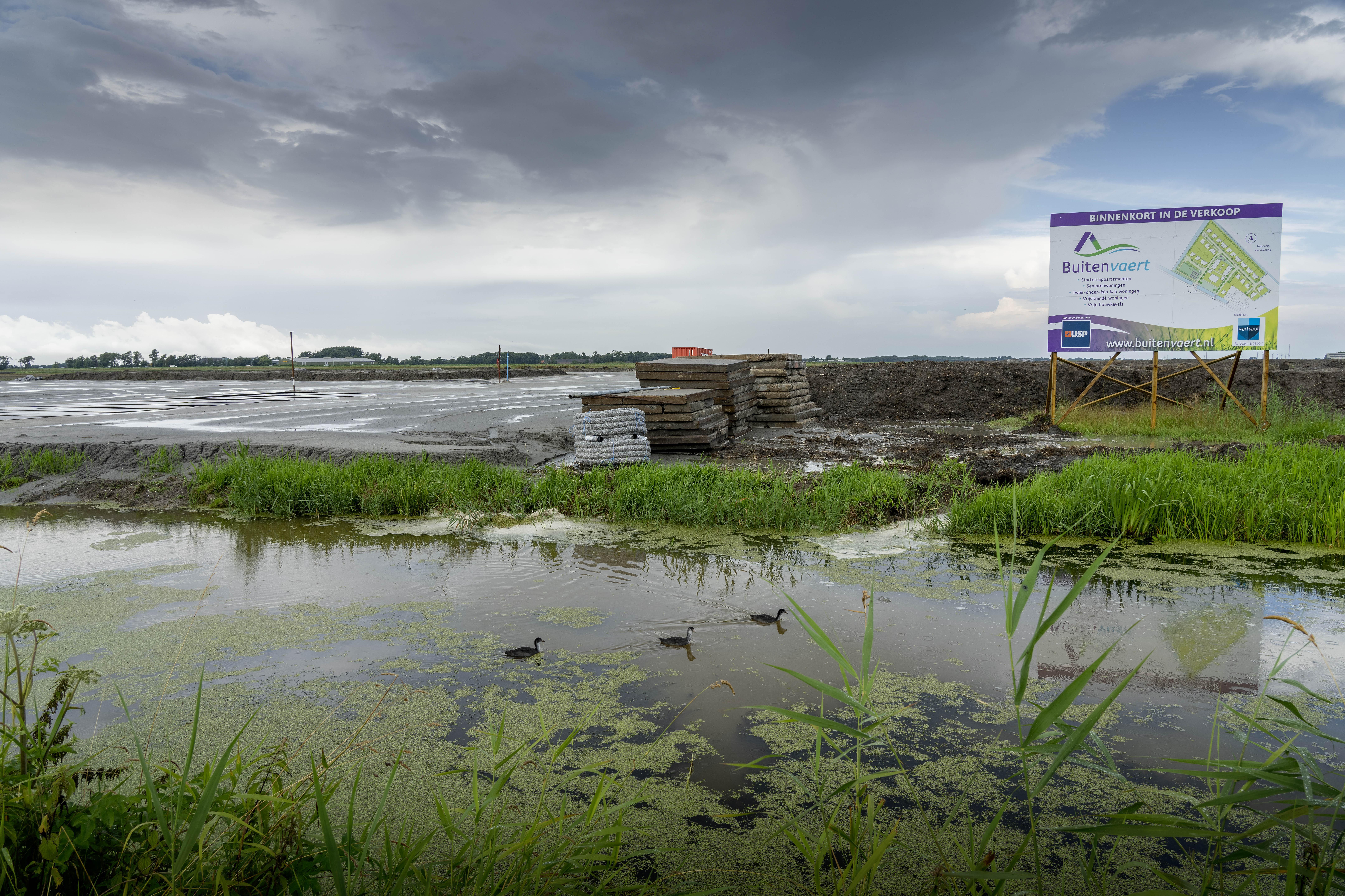 Grond voor dorpsplan Buitenvaert wordt bouwrijp gemaakt. Verkoop start in oktober maar de belangstelling is nu al heel groot