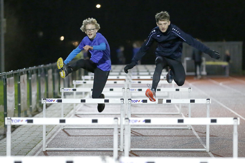 Atletiekverenigingen in de Noordkop proberen om deze tijd vooral bezig te blijven: 'Belangrijk om voor afwisseling te zorgen'