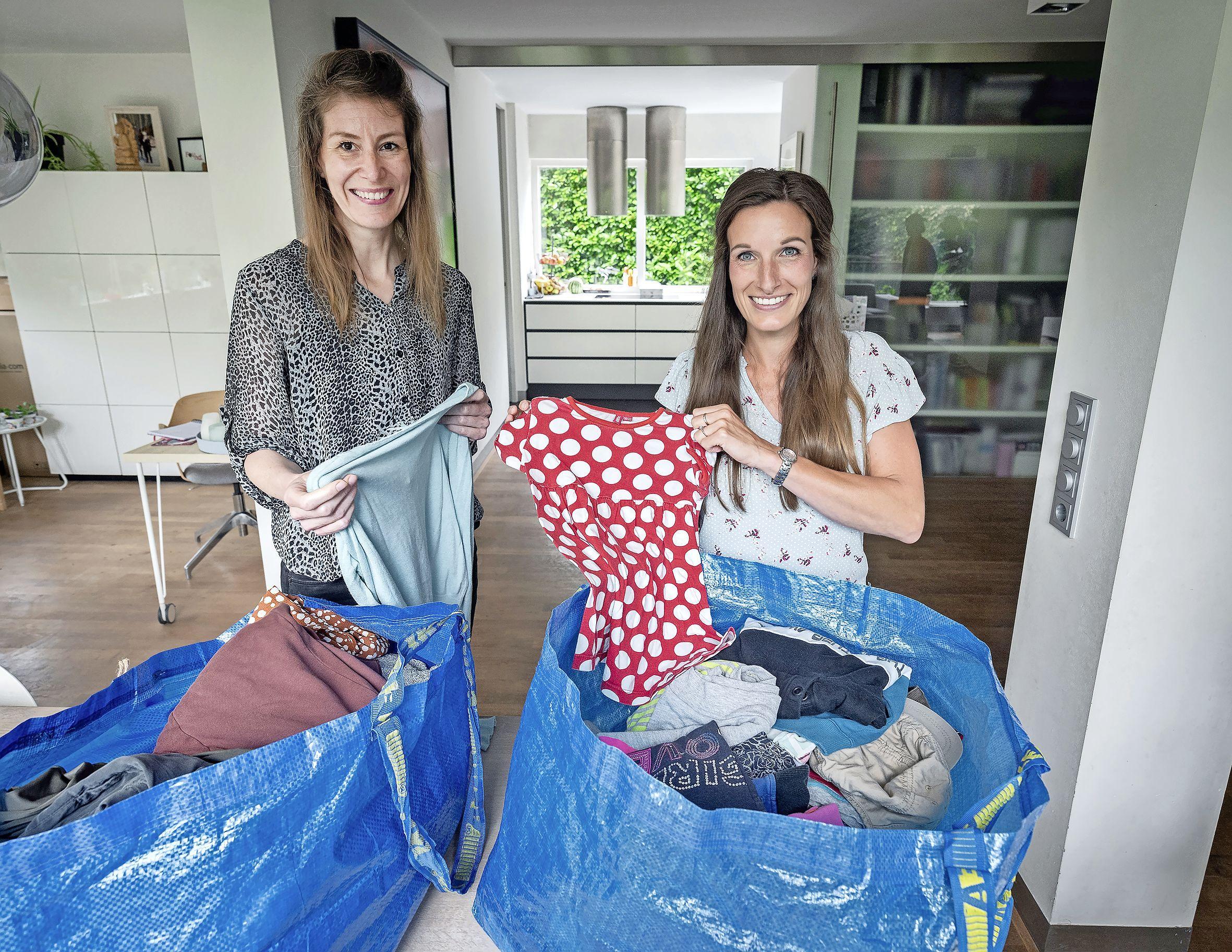 Kleding ruilen via een appgroep: in Haarlem en Heemstede gaan al tientallen tassen van huis naar huis
