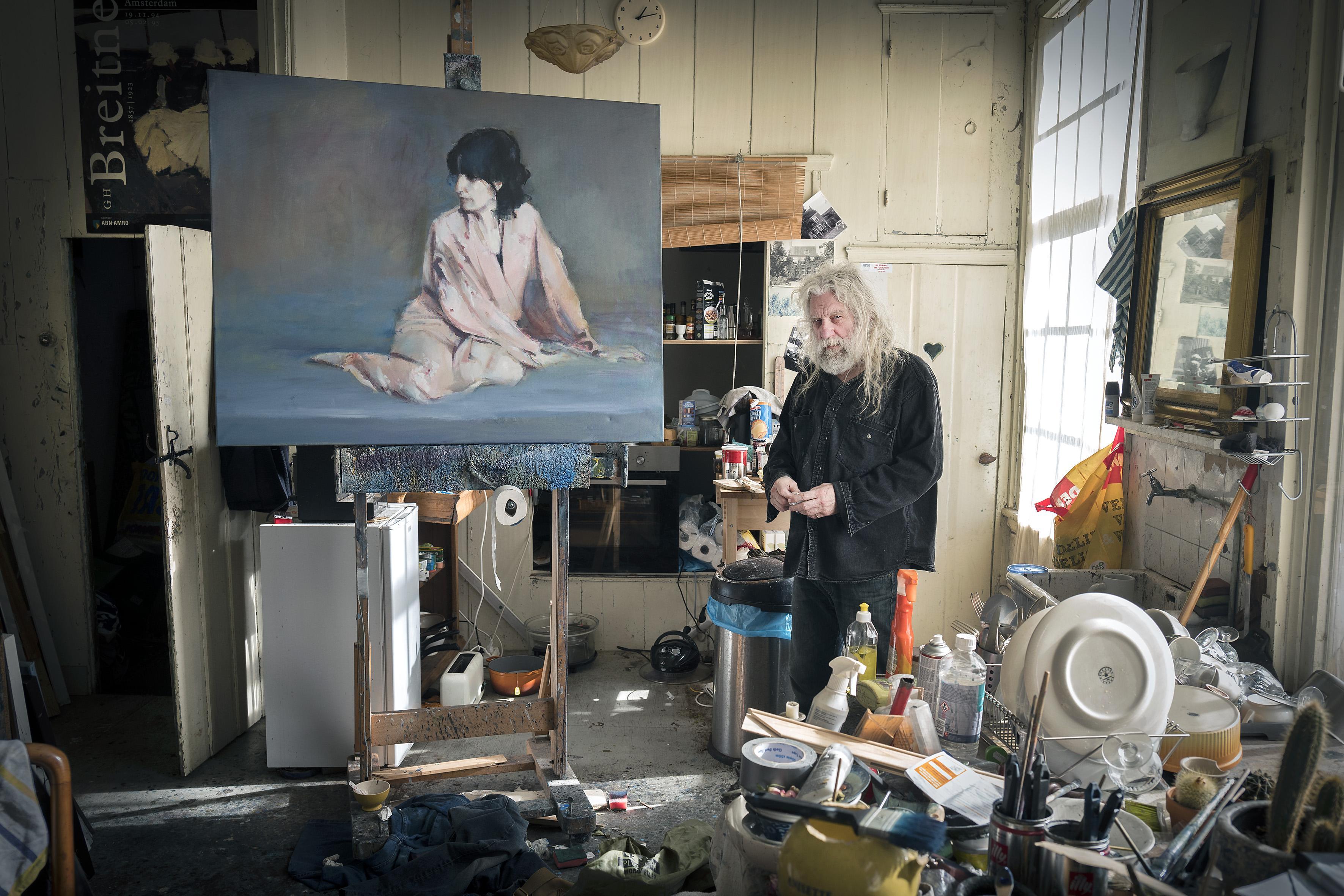 Kunstenaar Leon Spierenburg exposeert met familieleden in Spaarndam, maar ijdelheid ho maar