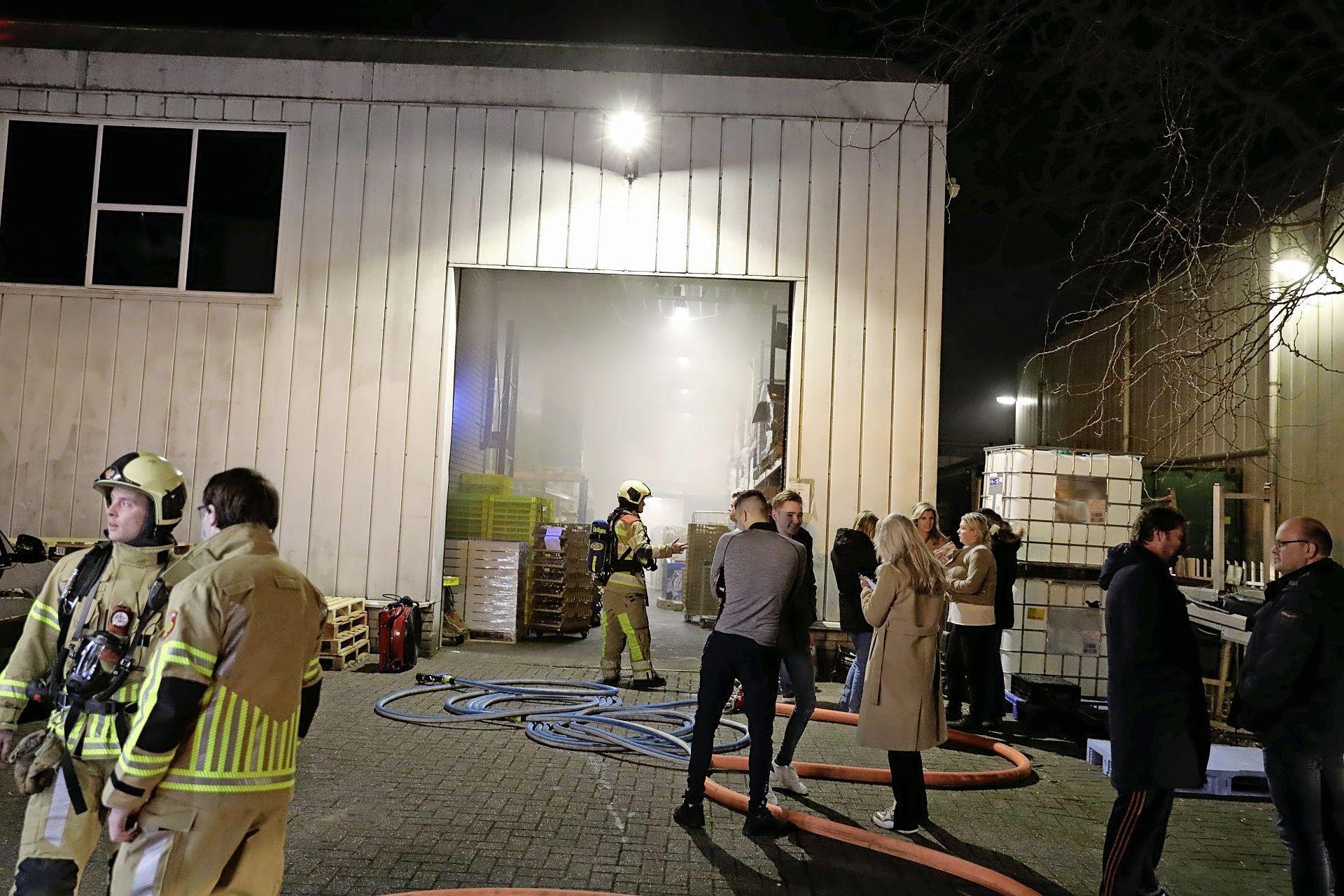 Veel rook in pand bakkerij in Bunschoten door brand in machine