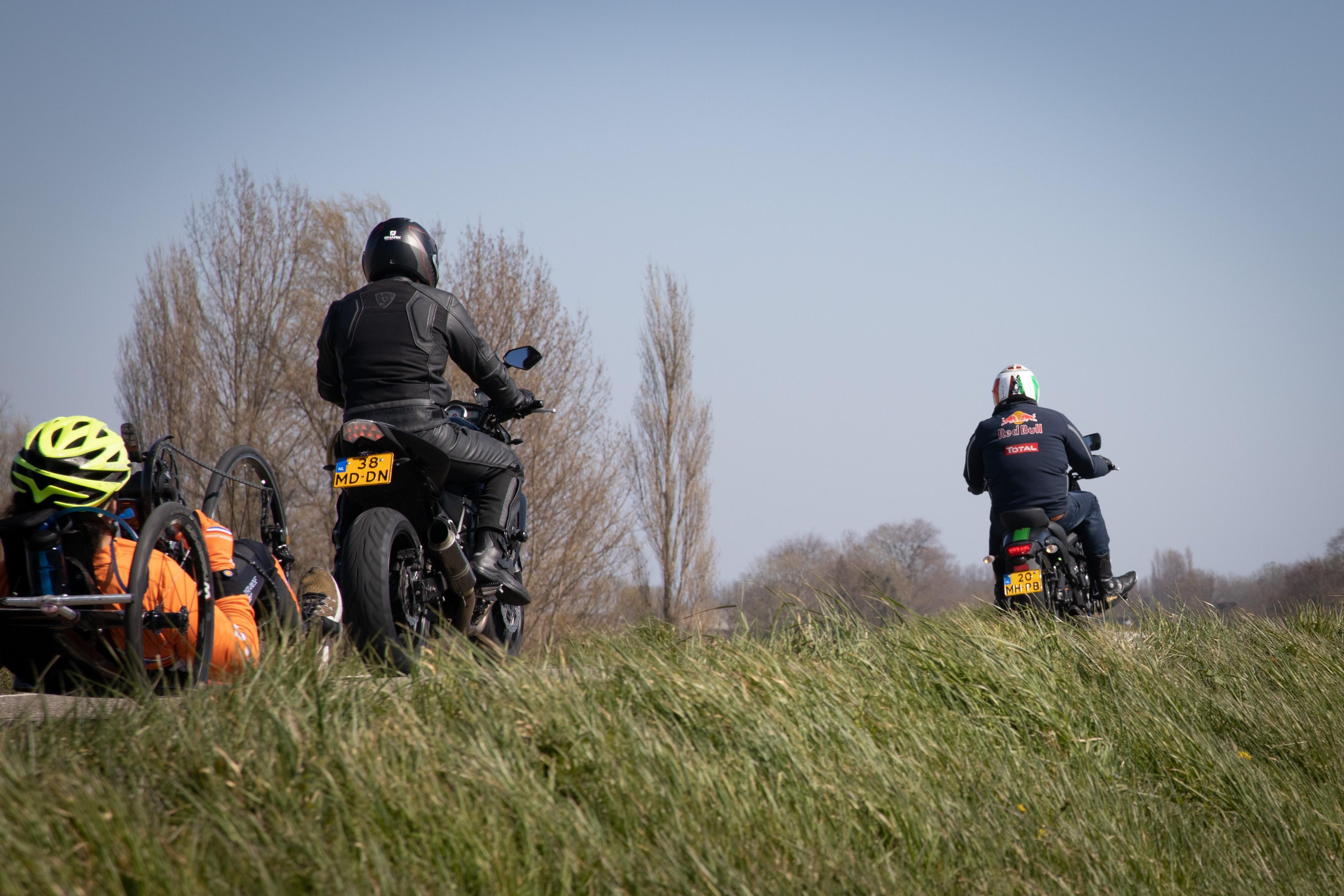 Commentaar: Afsluiten Zuiderdijk voor motoren en auto's is zoethoudertje