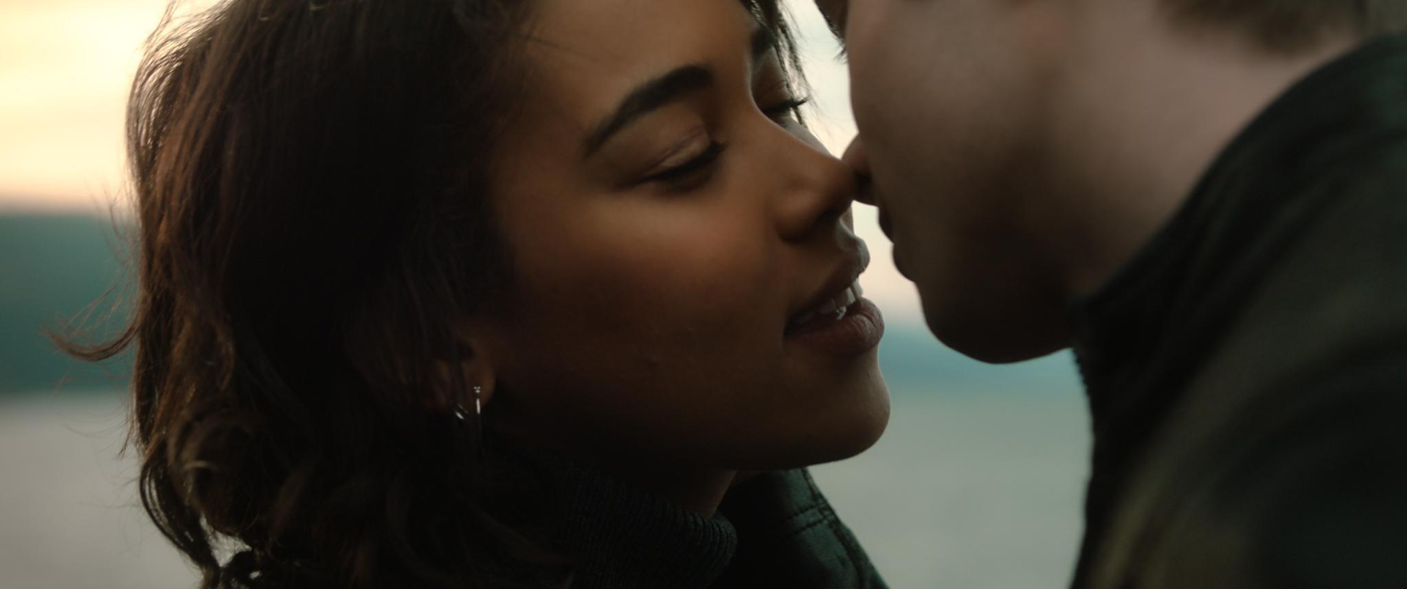 Filmrecensie 'Endless': Alles voelt nep in traag liefdesverhaal