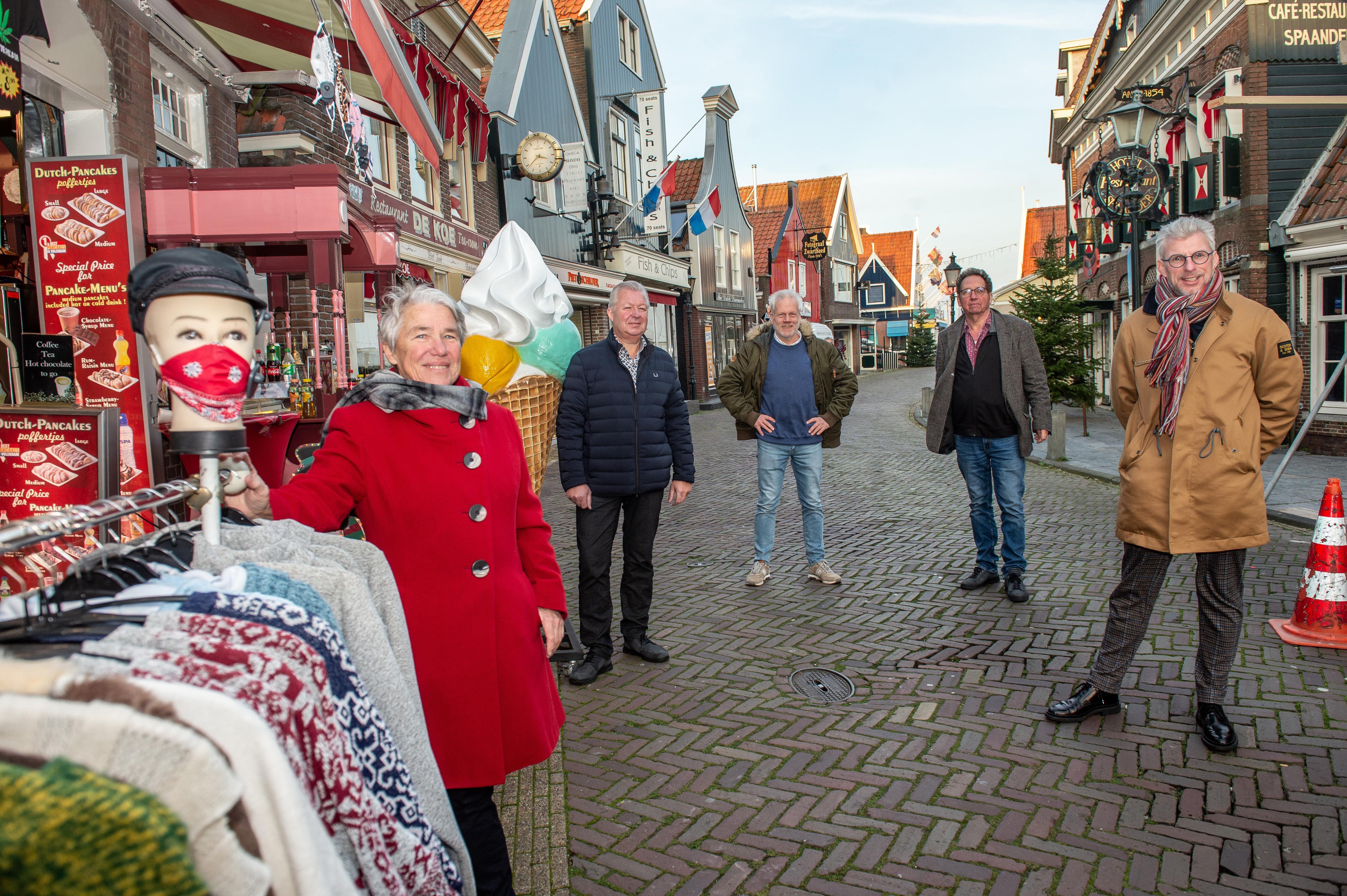 Ondernemers, horeca en VVV zetten in op 'kwaliteitstoerist' in Edam, Volendam en Zeevang: 'Niet even de bus uit en weer weg'