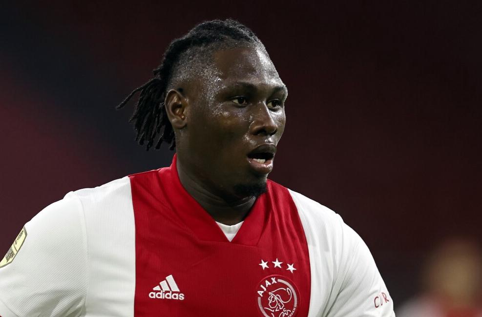 Lassina Traoré van Ajax op weg naar Shakhtar Donetsk
