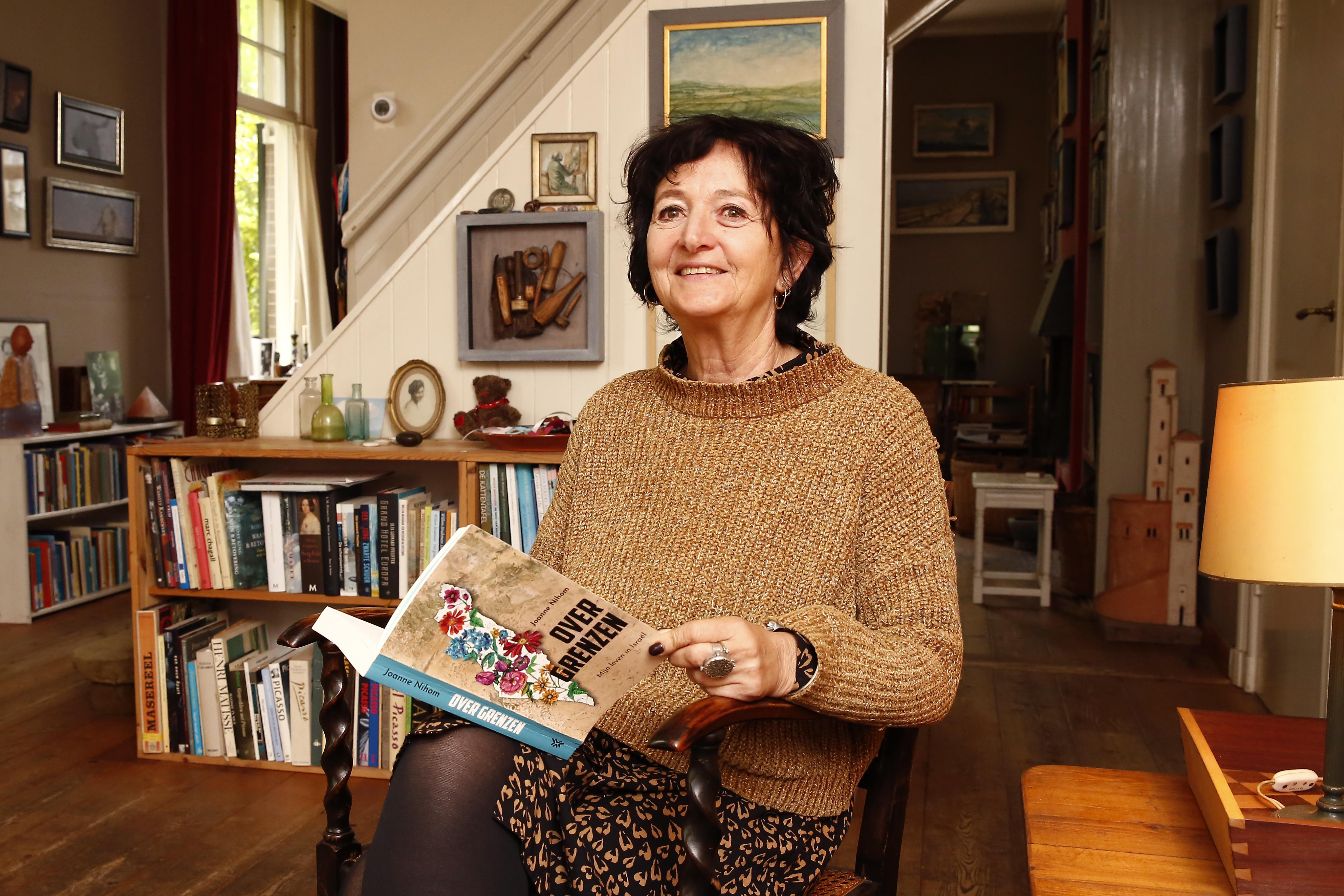 De Blaricumse Joanne Nihom woont al 17 jaar in Israël; 'Media geven een vertekend beeld van het leven hier. Israël is meer dan alleen oorlog'