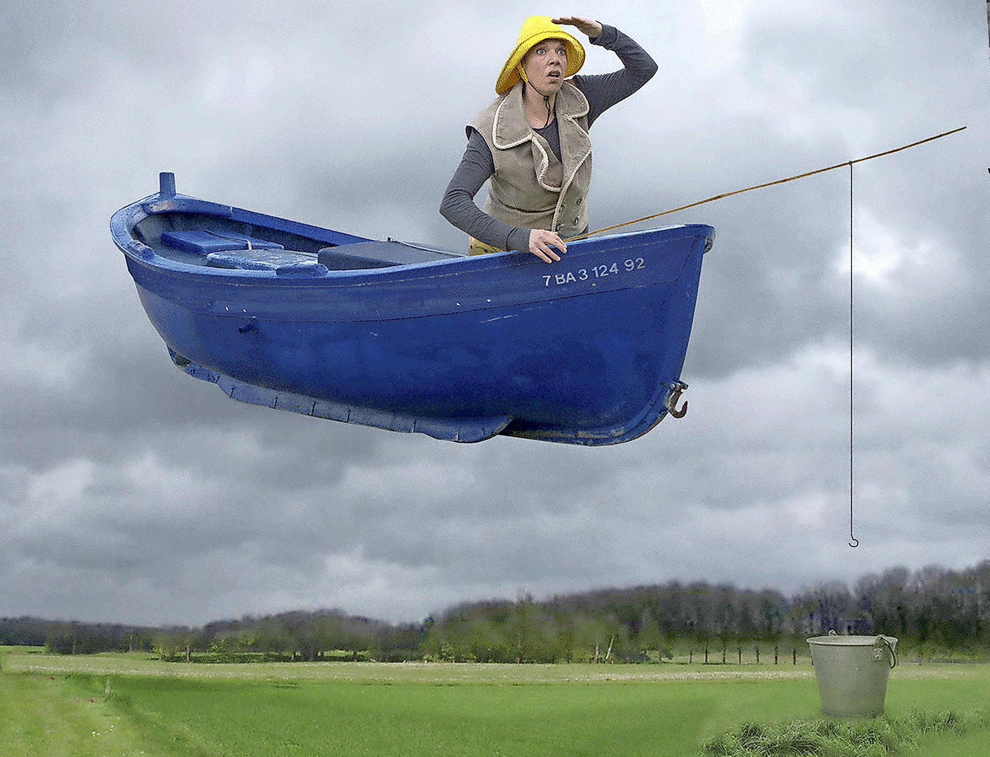 Vaartocht van twee vissers door stad en land. Theaterstuk 'Boat' reist een maand door de regio Alkmaar. 'Met minder dan vijf mensen mag je een half uur op één plek optreden'