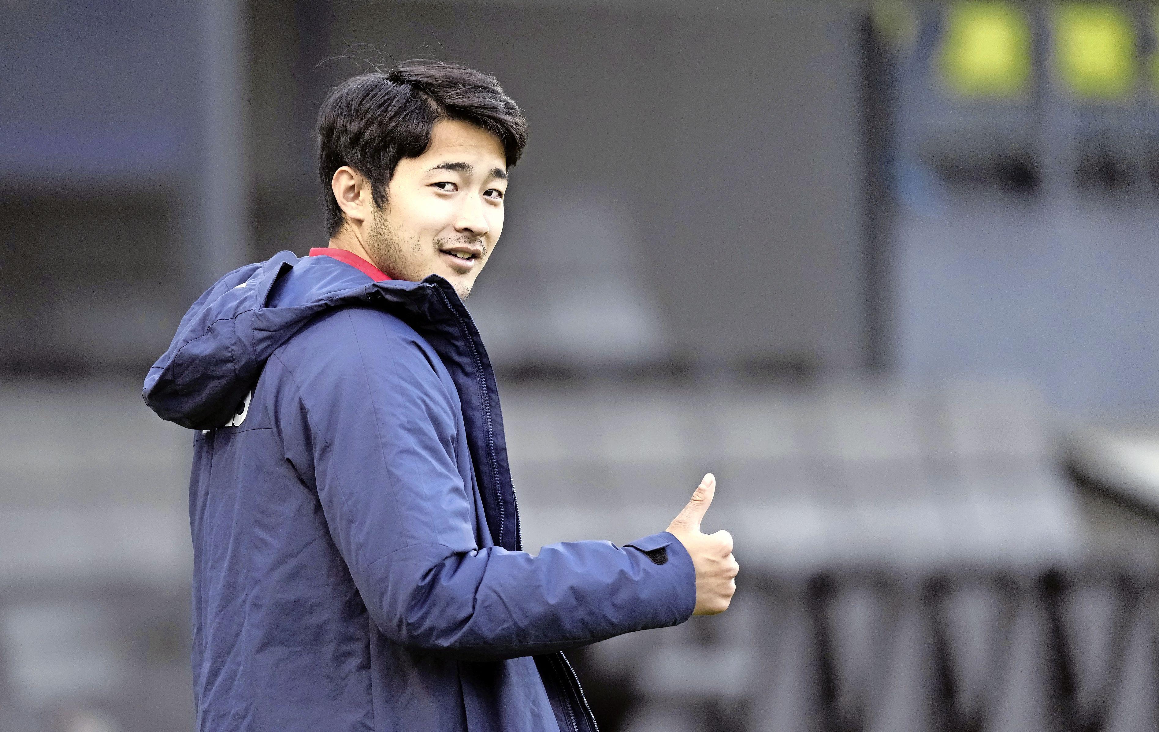 Meevaller voor AZ: Yukinari Sugawara valt af en meldt zich daarom toch bij de club