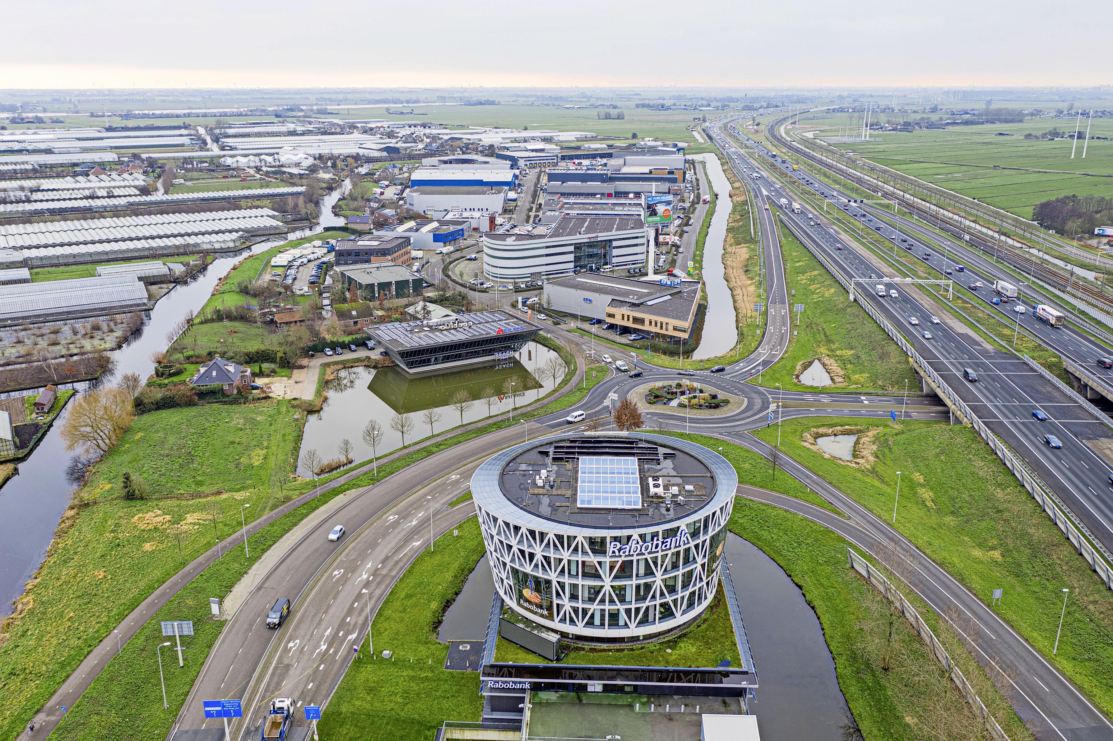 Rabobank sluit vestigingen Roelofarendsveen en Nieuwkoop definitief: beslissing oogst kritiek en begrip