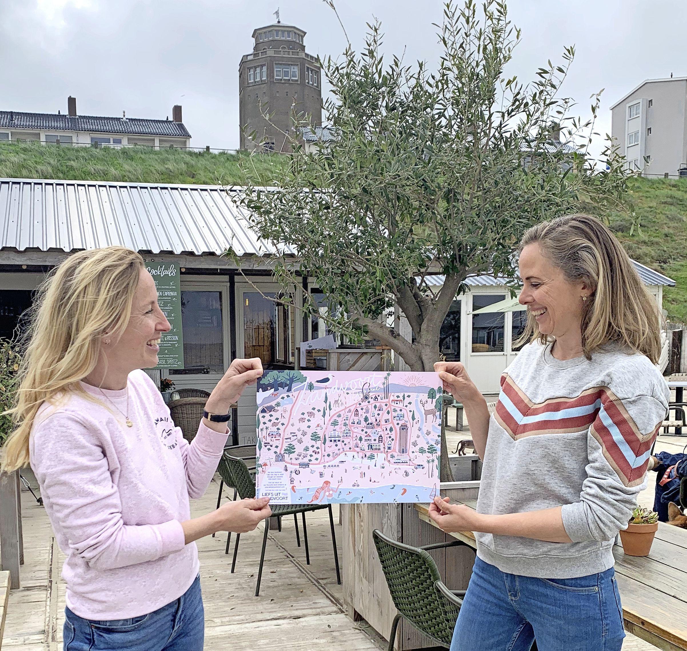 Kristel Veerman en Joan Bergmans zetten 'hun' Zandvoort op de kaart met de Like a Local-Map. 'Zandvoort moet van patatdorp-imago af'