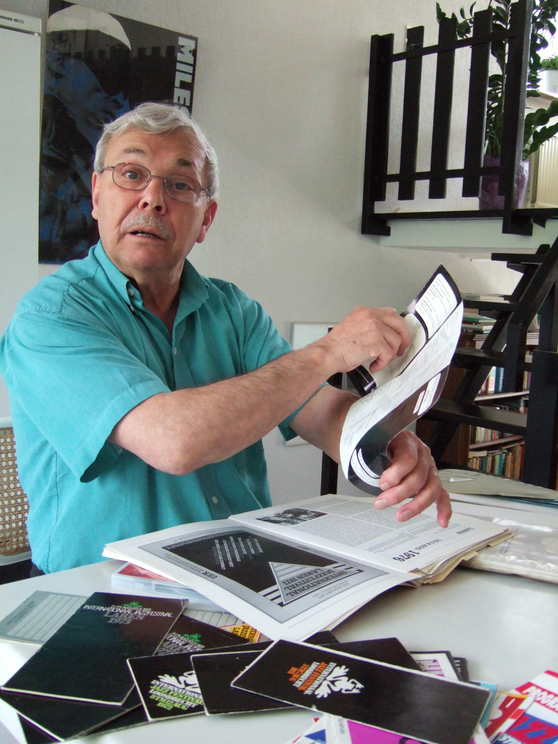 Presentator Aad Bos (88) overleden, dé radiostem van de jazz zwijgt