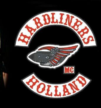 Politie pakt veertien leden van motorclub MC Hardliners op in Haarlem voor het dragen van verboden hesjes