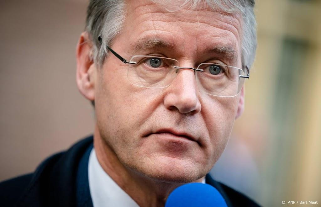 OM kijkt naar aangifte tegen onderwijsminister Slob
