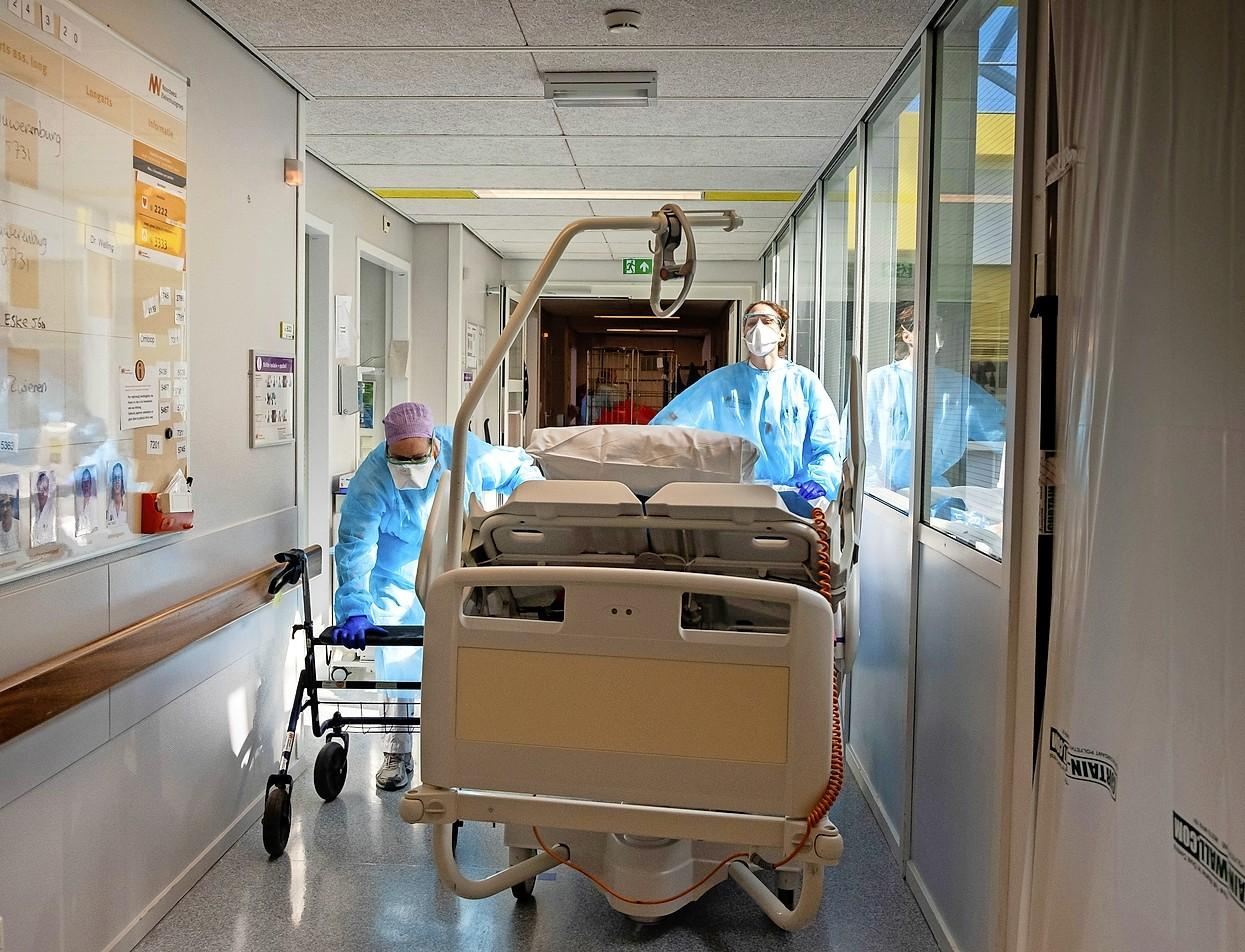 Dijklander Ziekenhuis is vol en plaatst voor het eerst nu coronapatiënten over