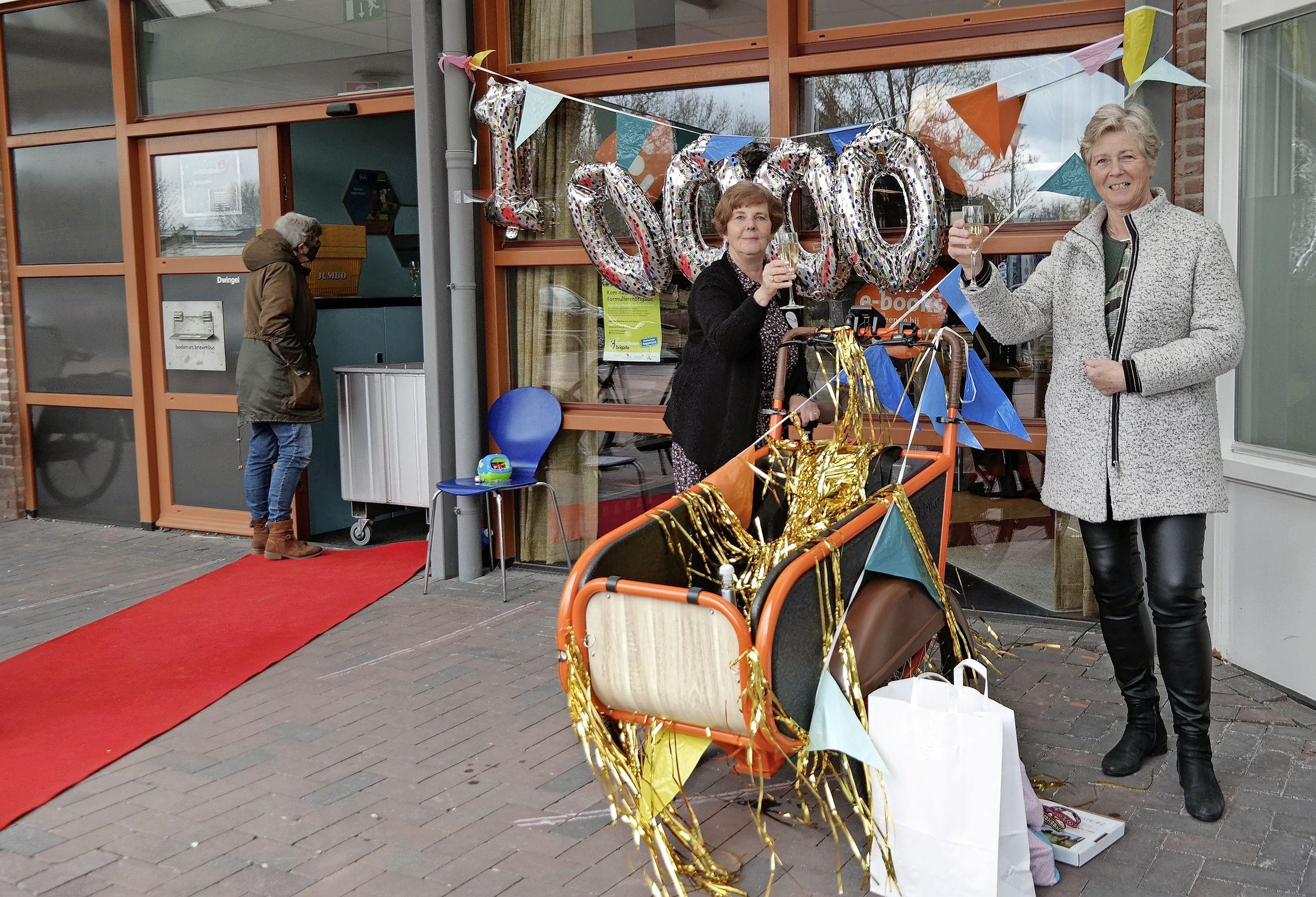 Westfriese Bestelbieb vult 10.000e verrassingstas in coronatijd: 'Jaar geleden niet verwacht dat het zo'n succes zou worden'