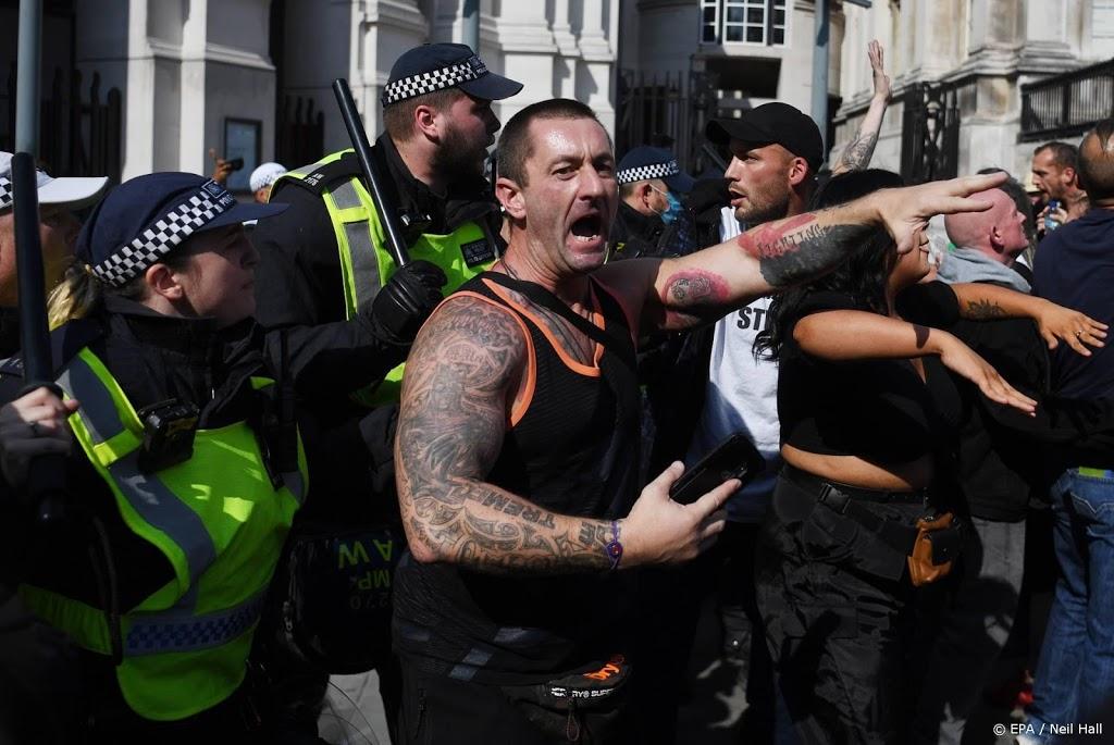 Politie arresteert in Londen 32 demonstranten tegen lockdown