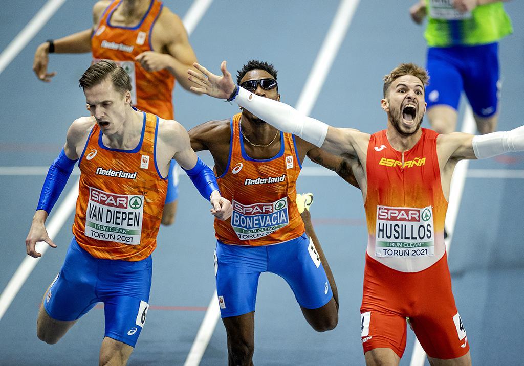 EK-zilver voor Tony van Diepen op 400 meter : 'Twee keer klem en toch zilver'