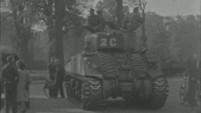Bewegend Verleden: Bevrijding van Haarlem, 1945 [video]