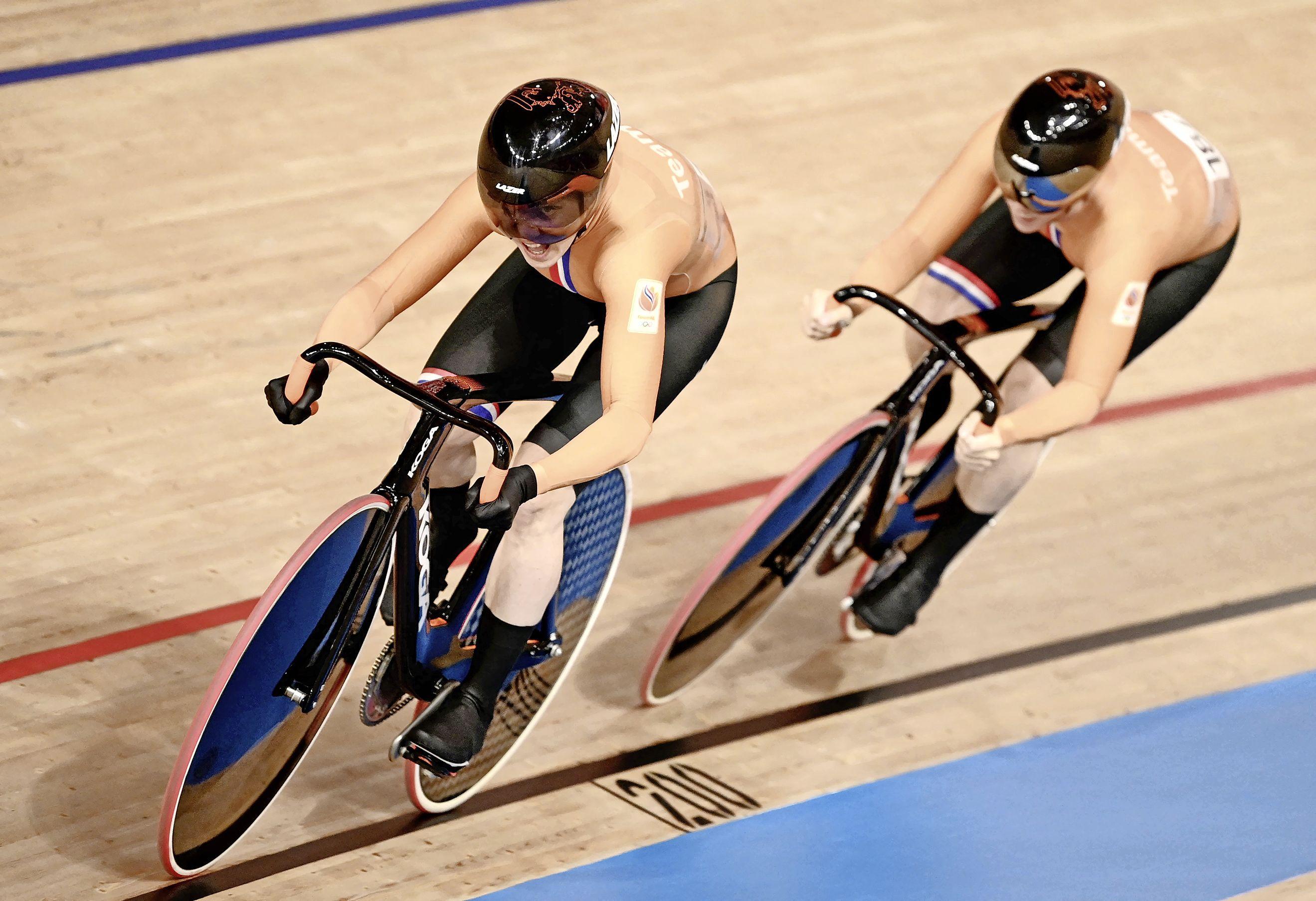 Teamsprintsters Van Riessen en Braspennincx grijpen naast brons: 'Het ging veel beter dan we hadden gedacht' [video]