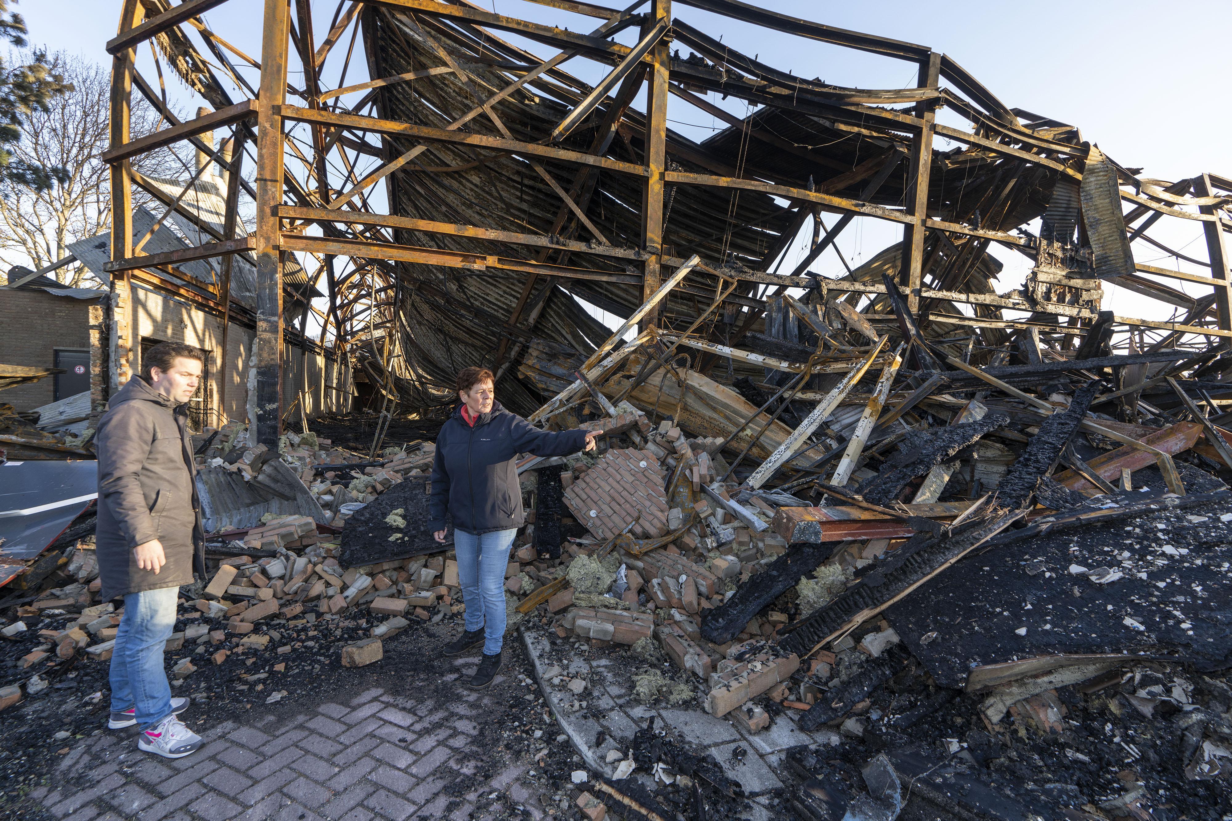 'Je bent je tweede huis kwijt': personeel van afgebrande De Schelft kan teloorgang Noordwijkerhouts sportcomplex nog nauwelijks bevatten