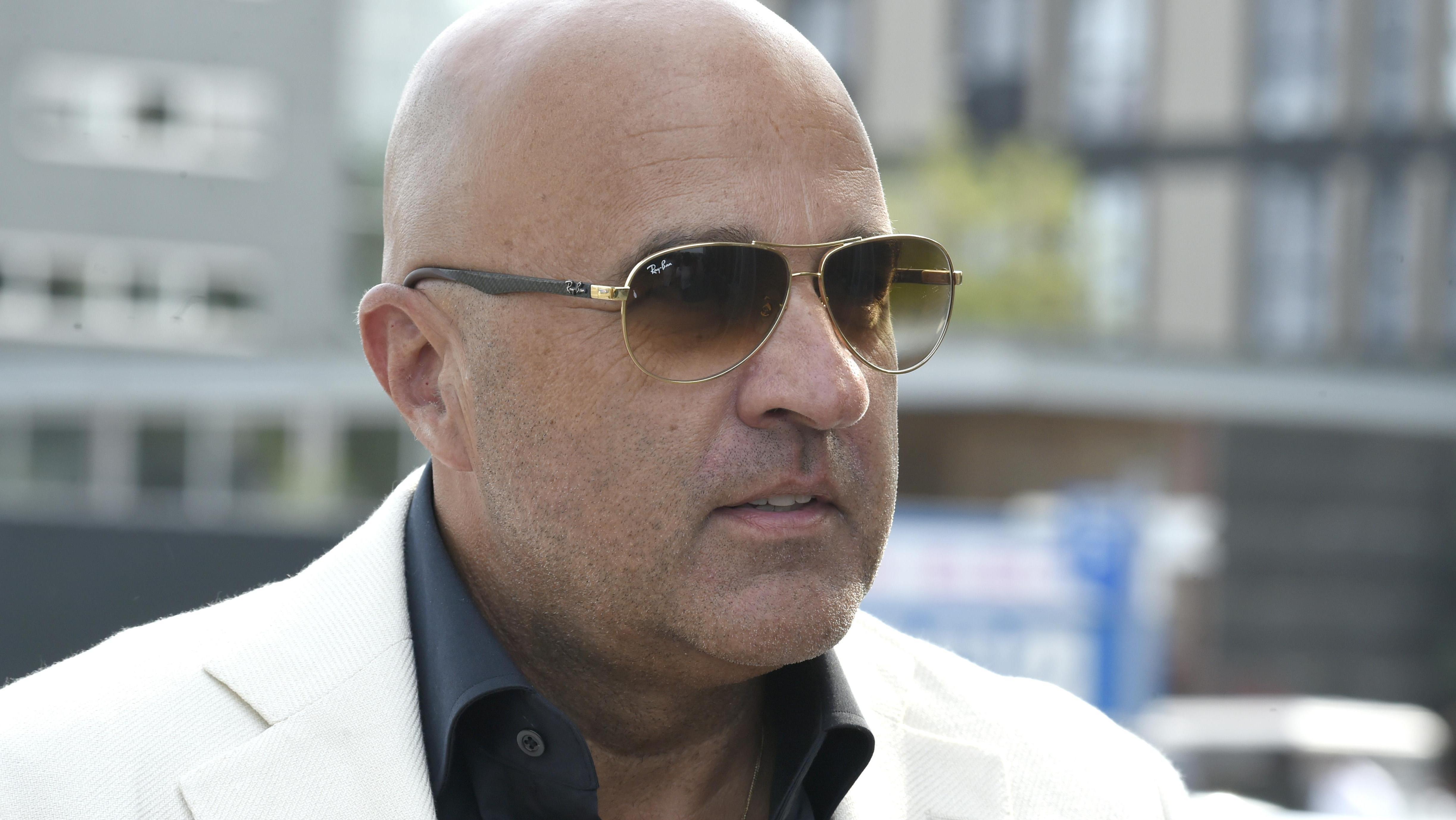 John Van Den Heuvel Maakt Docu Over Moorddossier Holleeder Entertainment Telegraaf Nl
