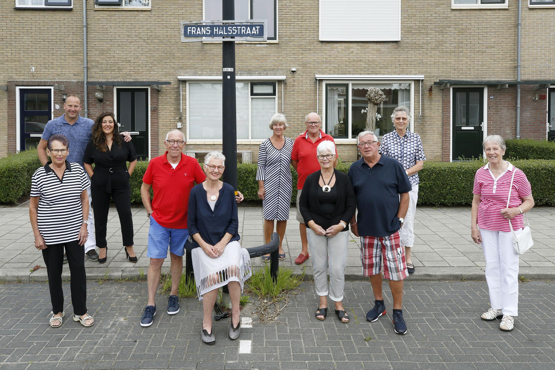 'Verhuizen? Nee, nooit niet!' Acht bewoners al een halve eeuw buren aan de Frans Halsstraat in Schagen
