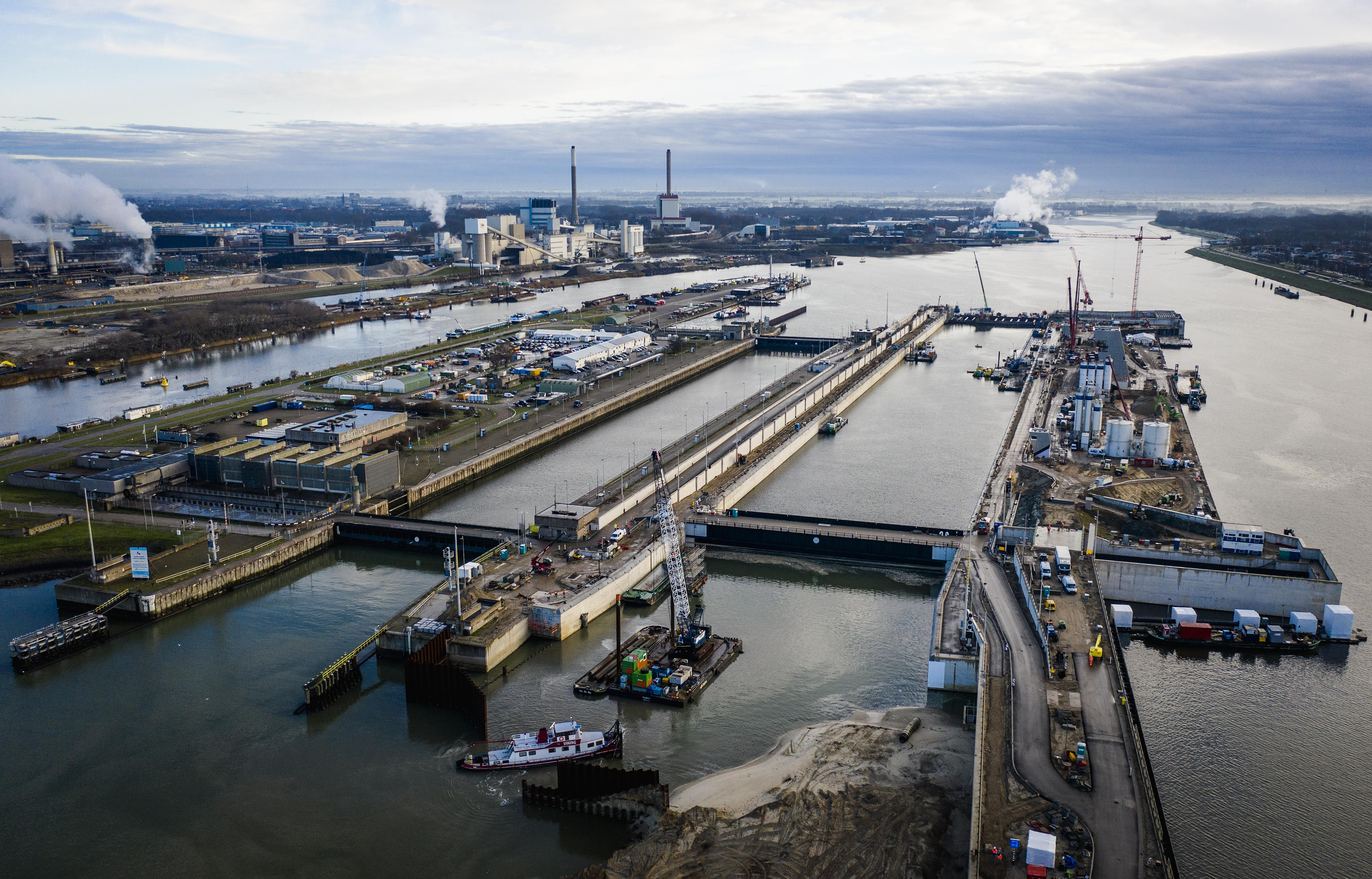 Rijkswaterstaat hoeft zich niet te haasten met het heropenen van de sluisroute. Wat vind jij?