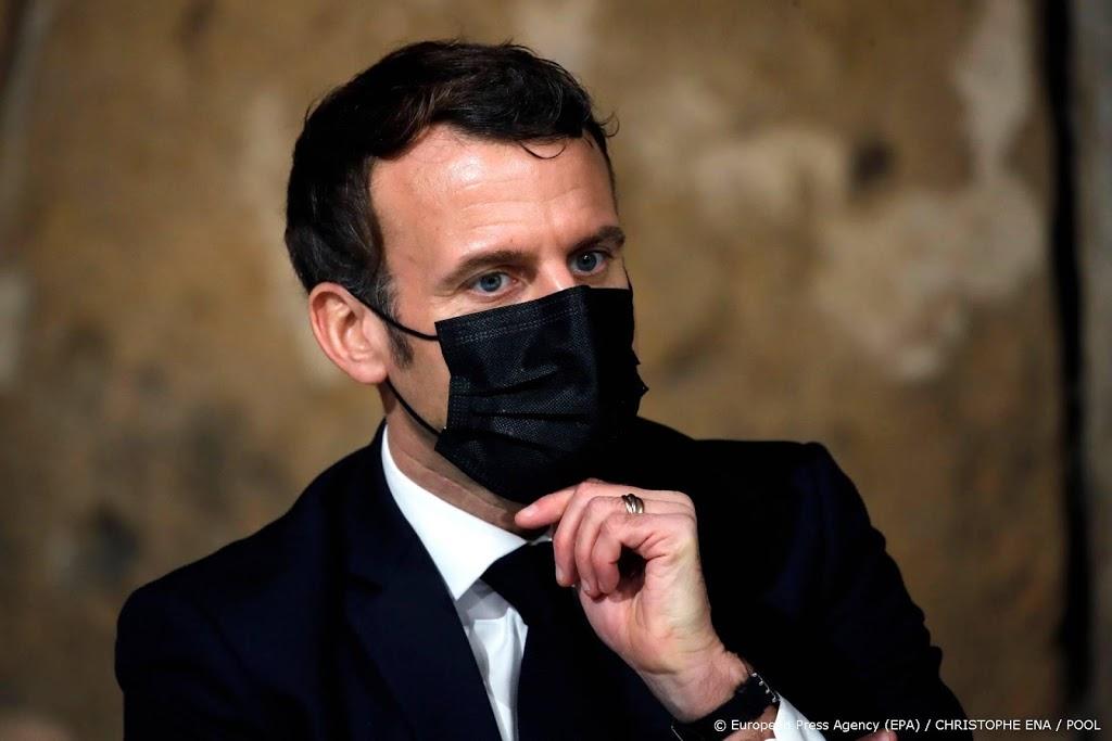 President Macron blij met deradicaliseringsplan Franse moslims