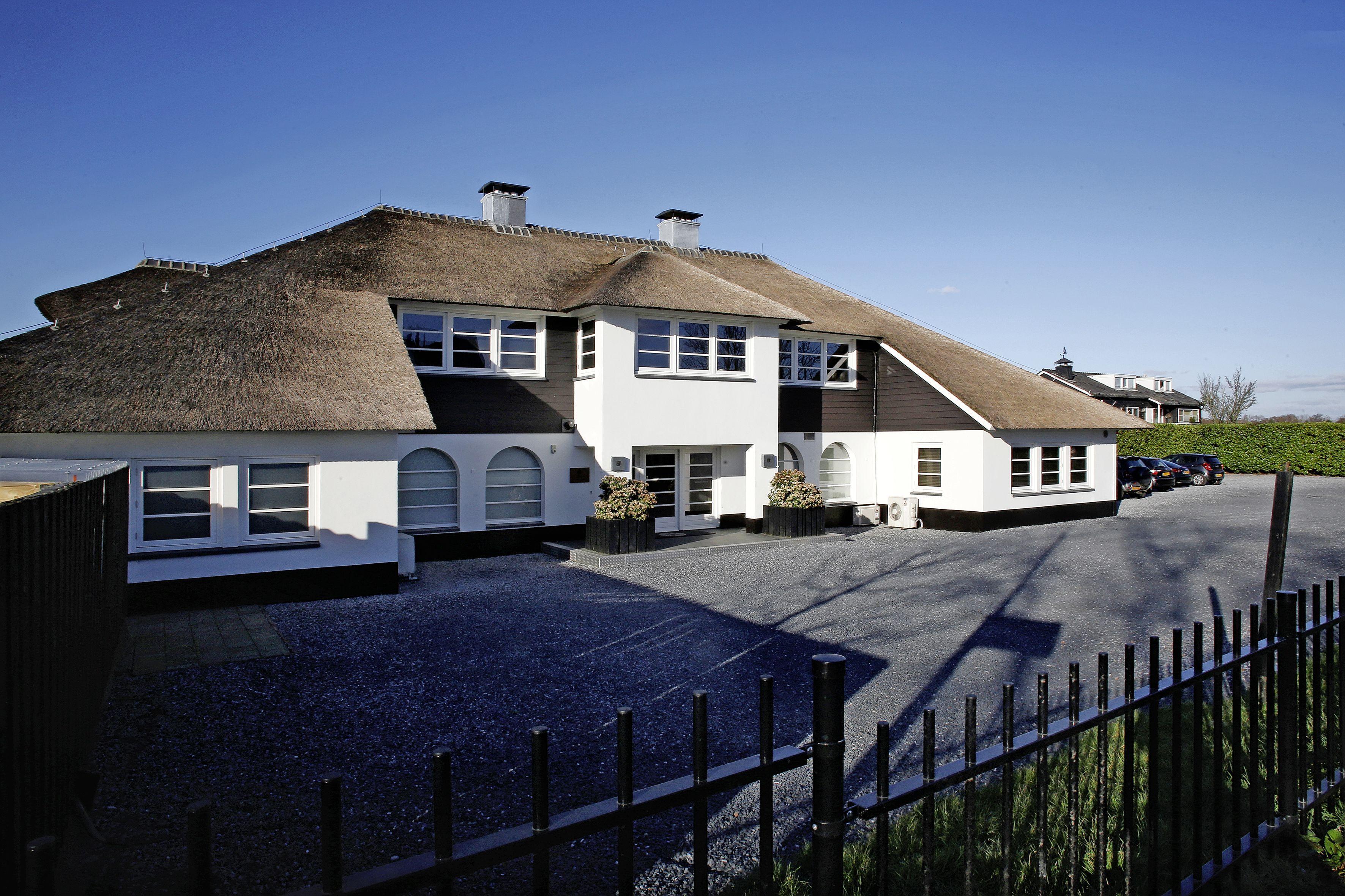 'Beste trouwlocatie' Finley Het Witte Huis in Loosdrecht stopt eind dit jaar: 'Met corona is er geen perspectief meer'