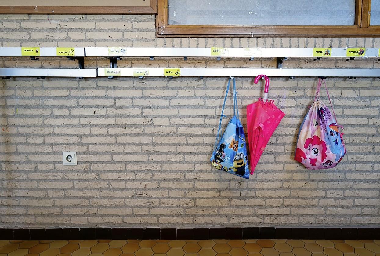 Basisscholen en kinderopvang gaan niet eerder open; 'Zorg wordt nog te zwaar belast door het coronavirus