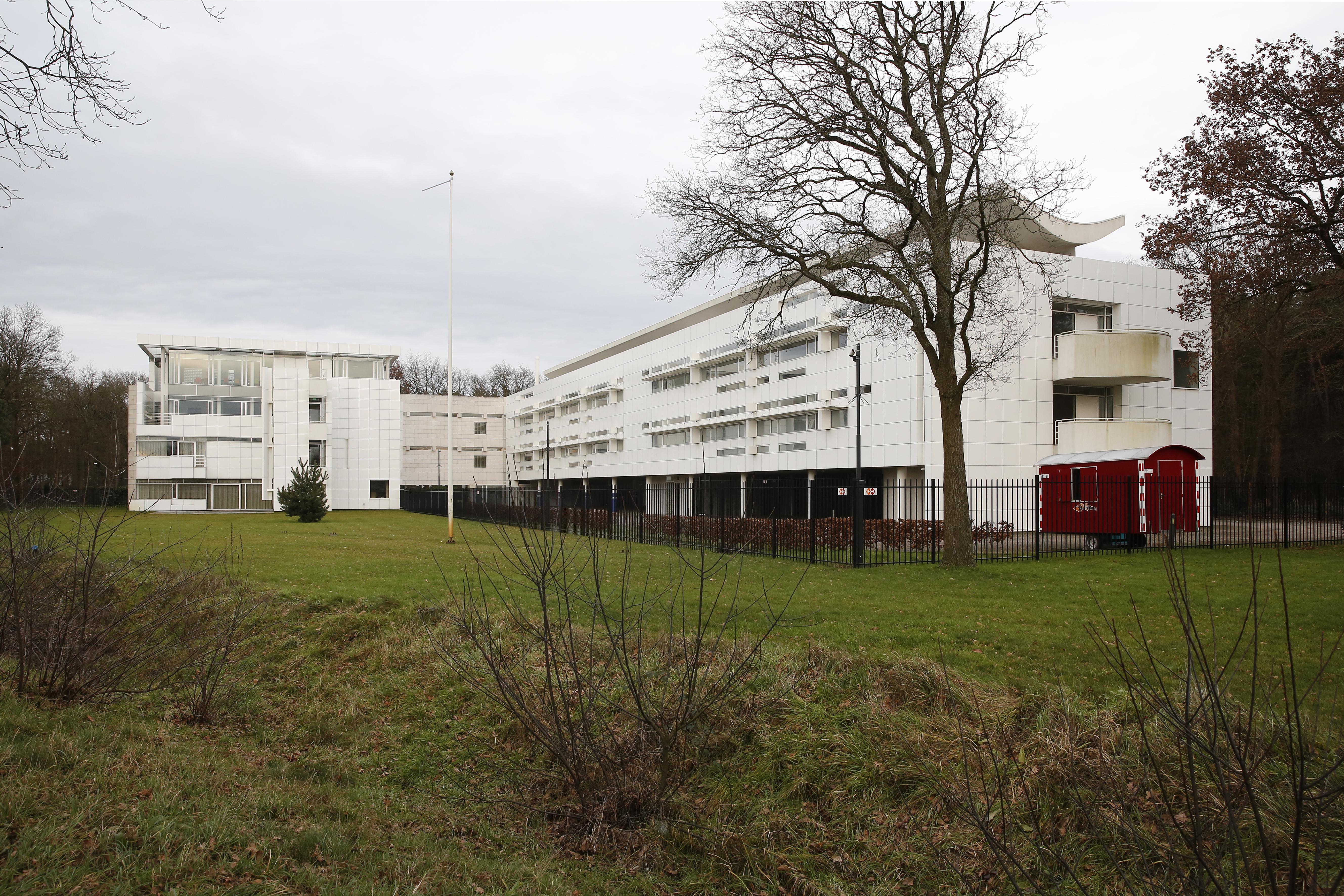Politiebureau aan de Groest in Hilversum sluit op 4 februari de deuren. Agenten verhuizen voor een paar jaar naar luxe kantoorpand in villawijk