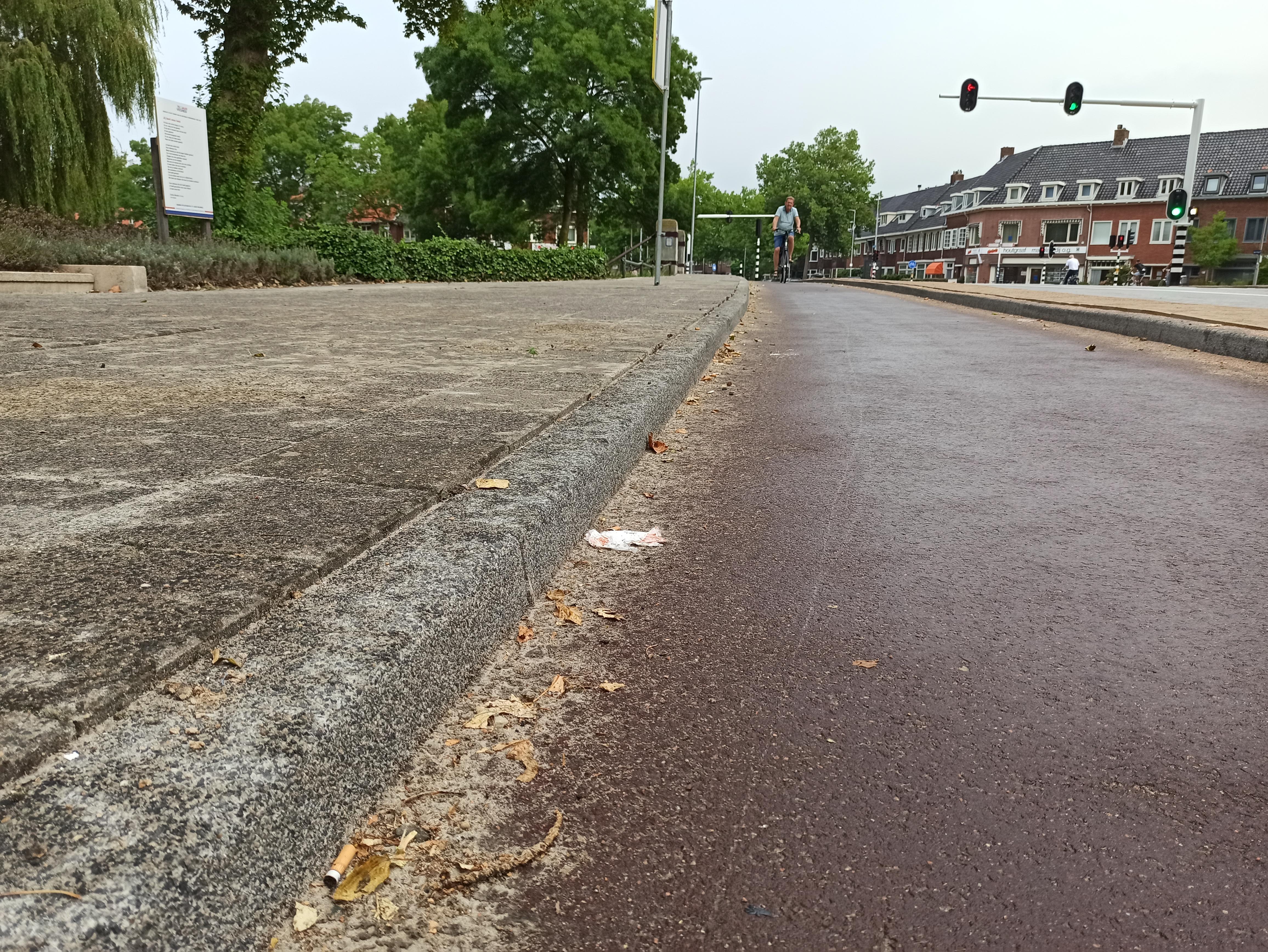 'Stoepranden Jan Gijzenbrug gevaarlijk hoog': ChristenUnie Haarlem bezorgd om veiligheid fietsers
