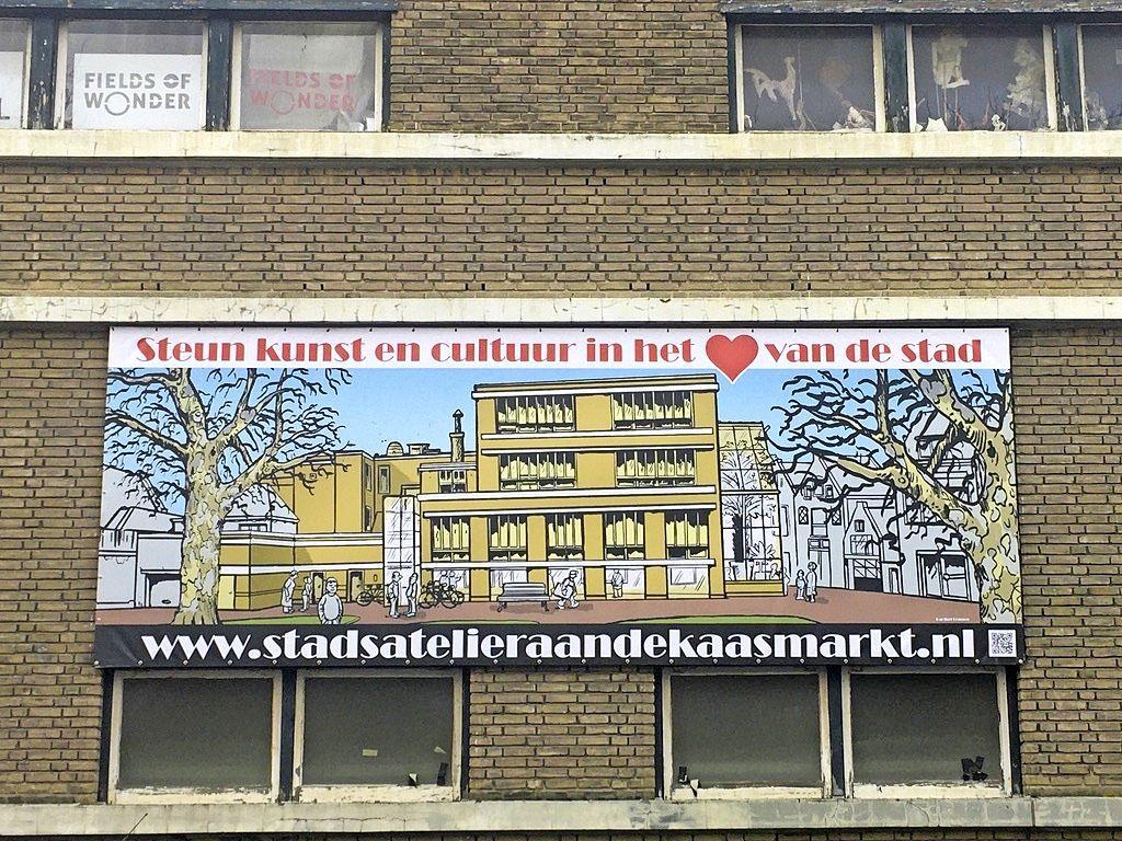 Plan voor kunstcentrum Kaasmarkt verpakt in een bidbook van 53 pagina's