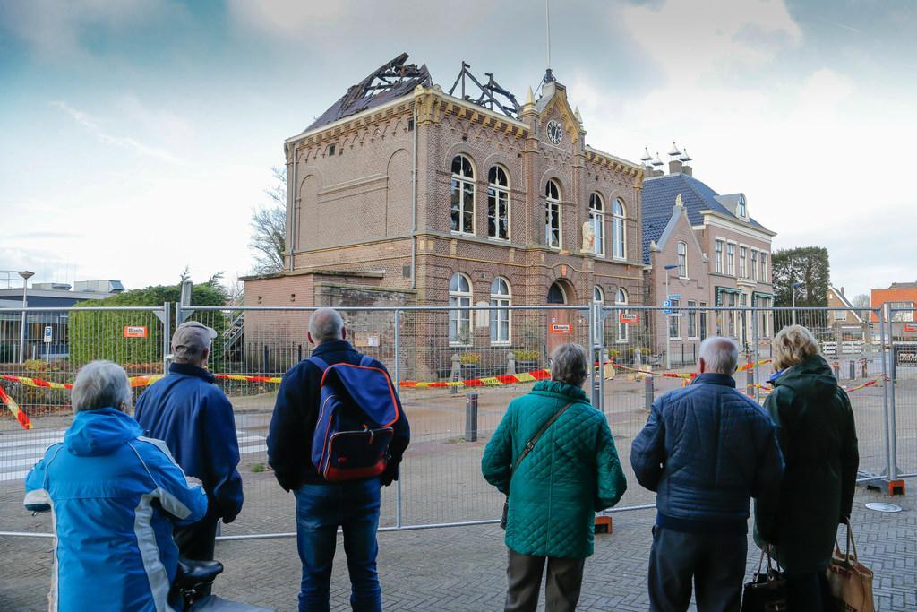 Schade na brand raadhuis Obdam loopt in de miljoenen: 'Binnen enkele uren was het gebouw veranderd in een ruïne'