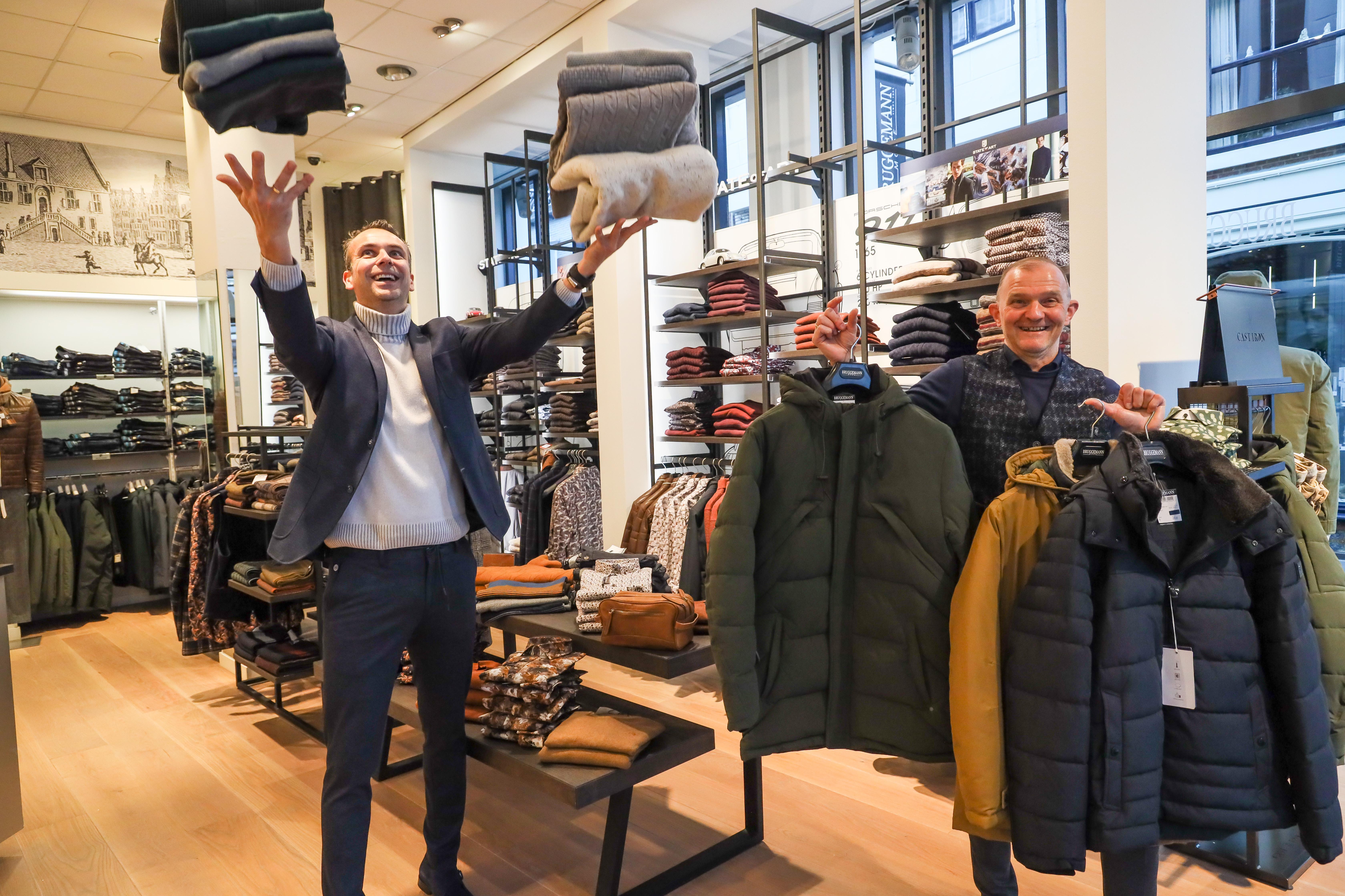 West-Friese modezaken zitten met onverkochte wintercollectie, en de deuren blijven op slot