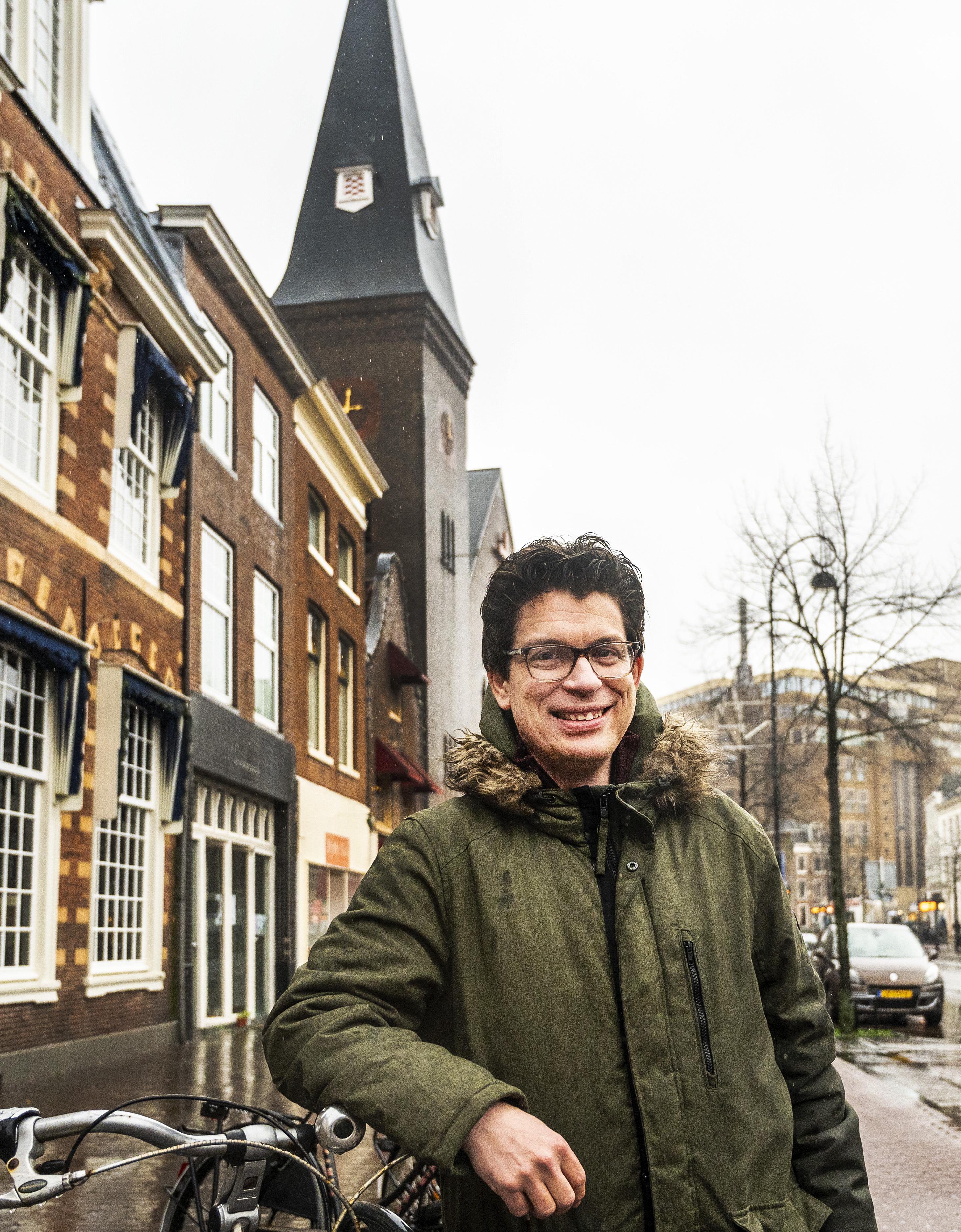 Tijdens Oudjaarsnacht is het om twaalf uur niet stil in Haarlem, kerkklokken in plaats van vuurwerk