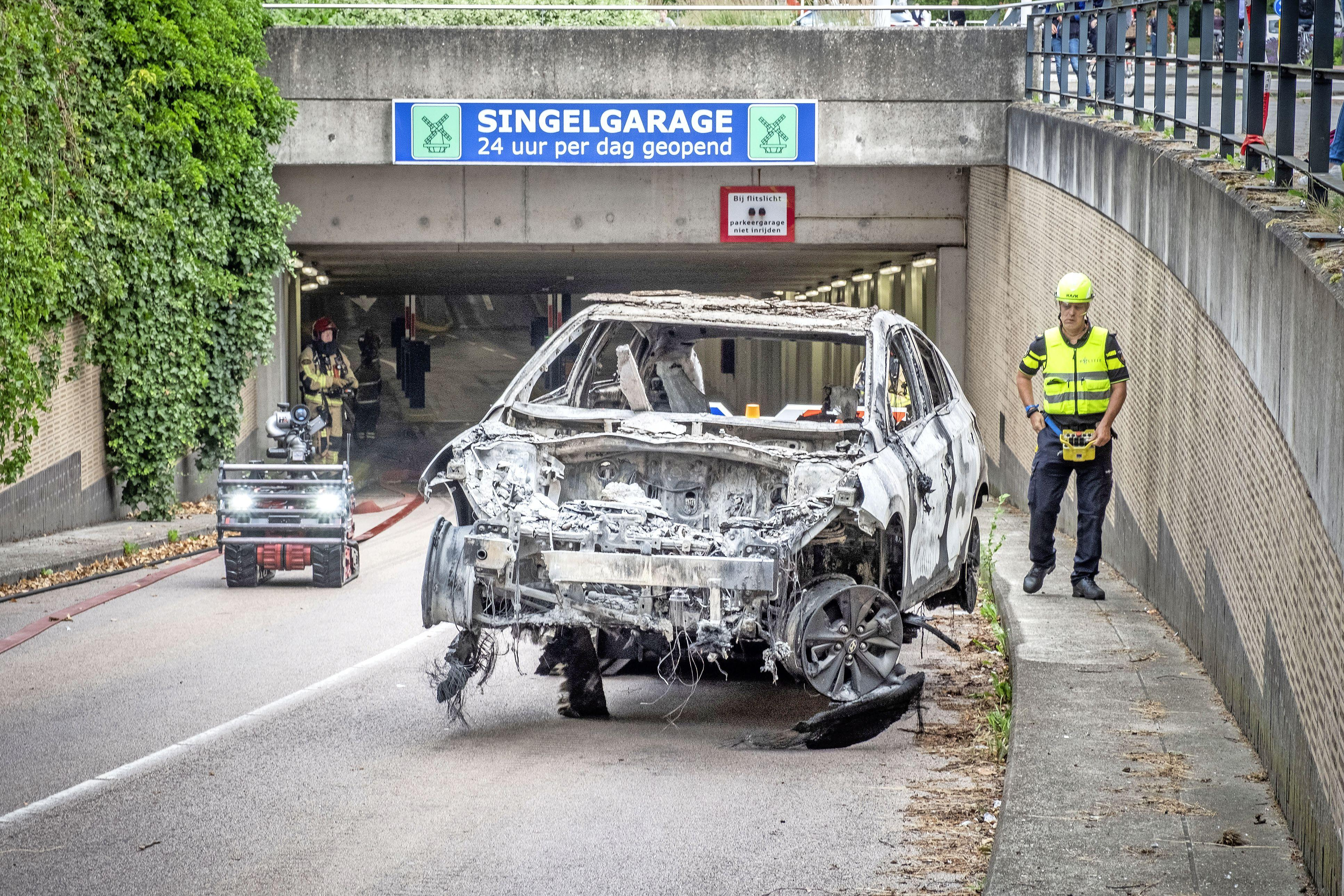 Brandstichter Alkmaarse Singelgarage moet zo snel mogelijk naar kliniek, vindt justitie, maar heeft ook eis enorme schadeclaims aan zijn broek