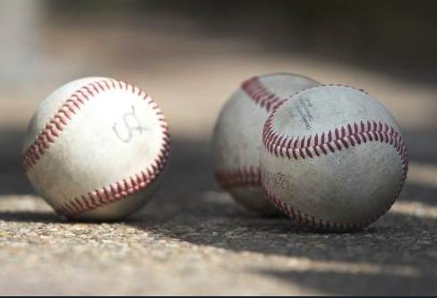 Glasschervenregen verpest play-offs HCAW in de hoofdklasse honkbal