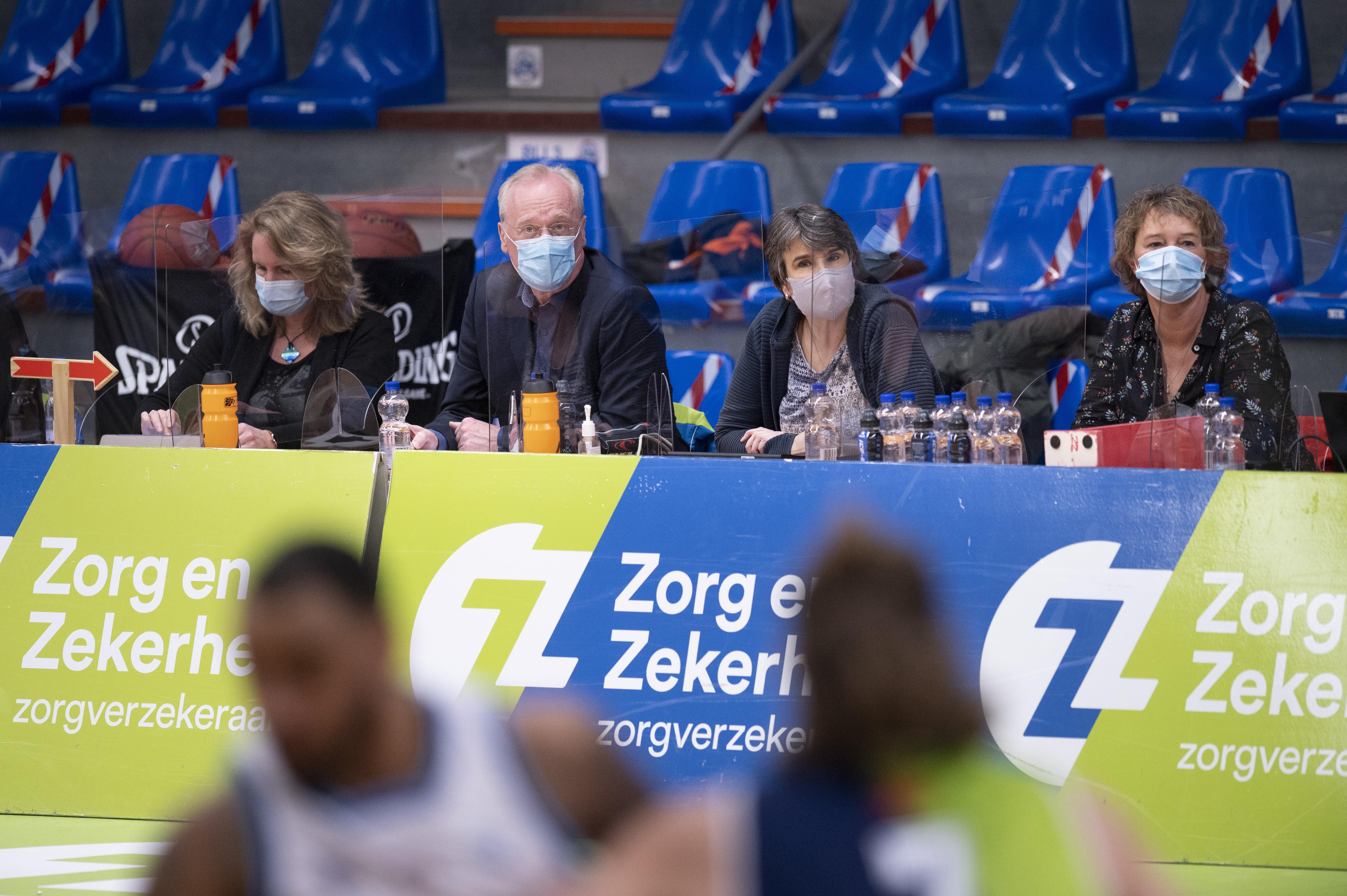 Er wordt weer gebasketbald en gekorfbald in Nederland: eindelijk weer schitteren binnen de (richt)lijnen. 'We tellen onze zegeningen'